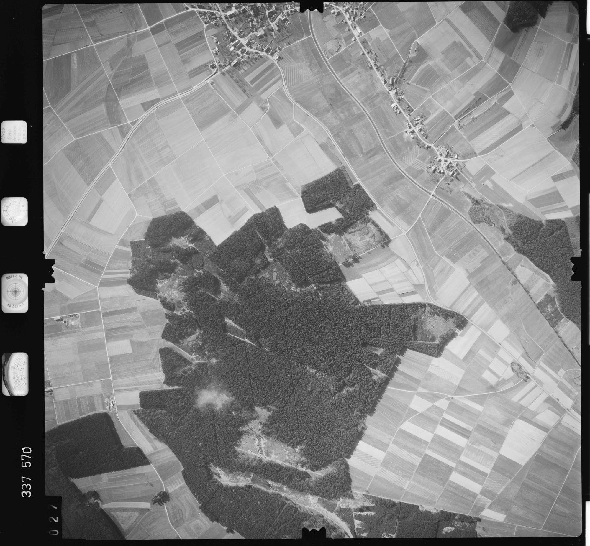 Luftbild: Film 50 Bildnr. 27, Bild 1