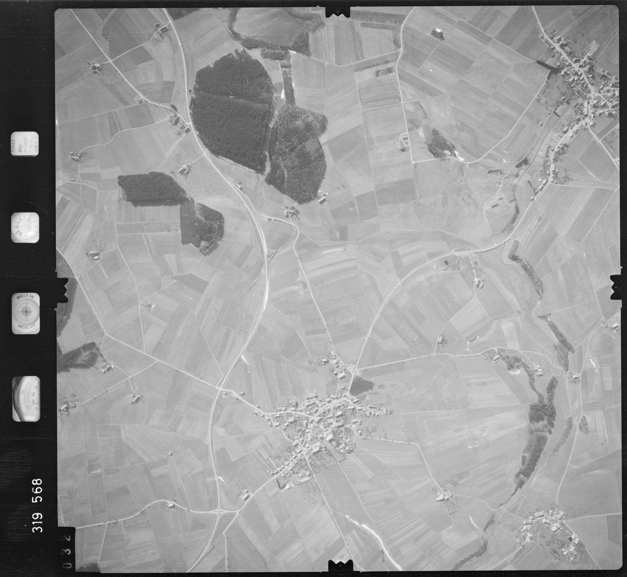 Luftbild: Film 57 Bildnr. 32, Bild 1