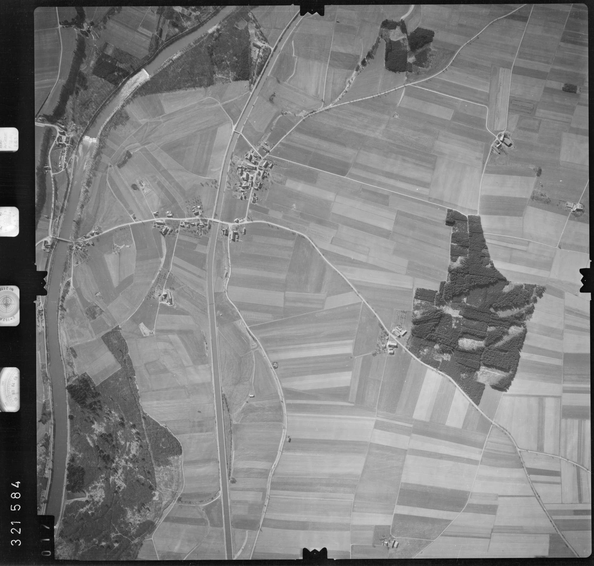 Luftbild: Film 53 Bildnr. 17, Bild 1