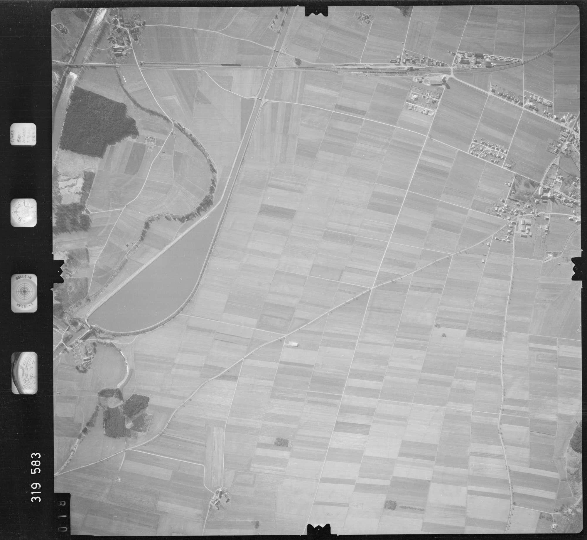 Luftbild: Film 57 Bildnr. 18, Bild 1