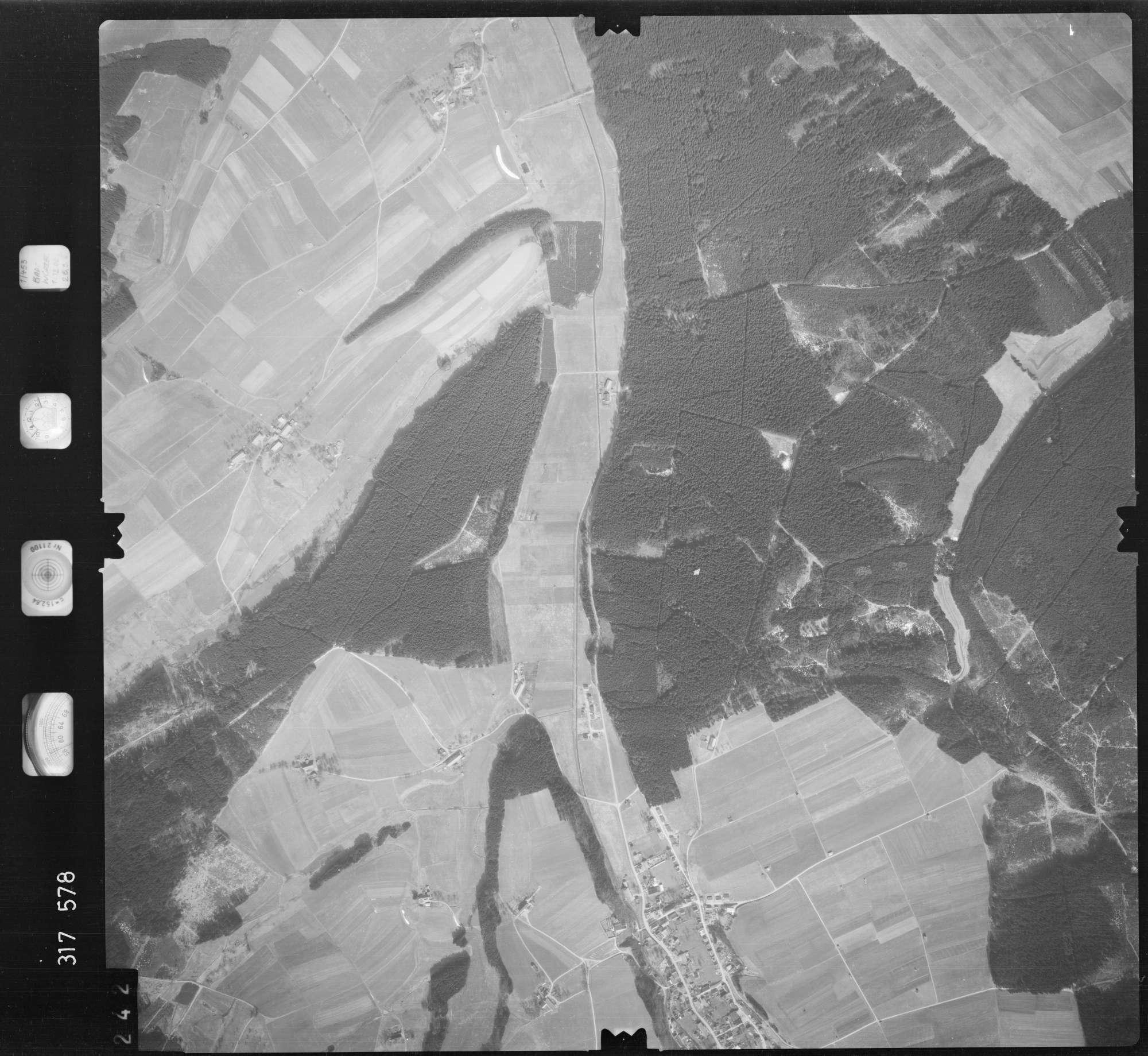 Luftbild: Film 57 Bildnr. 242, Bild 1
