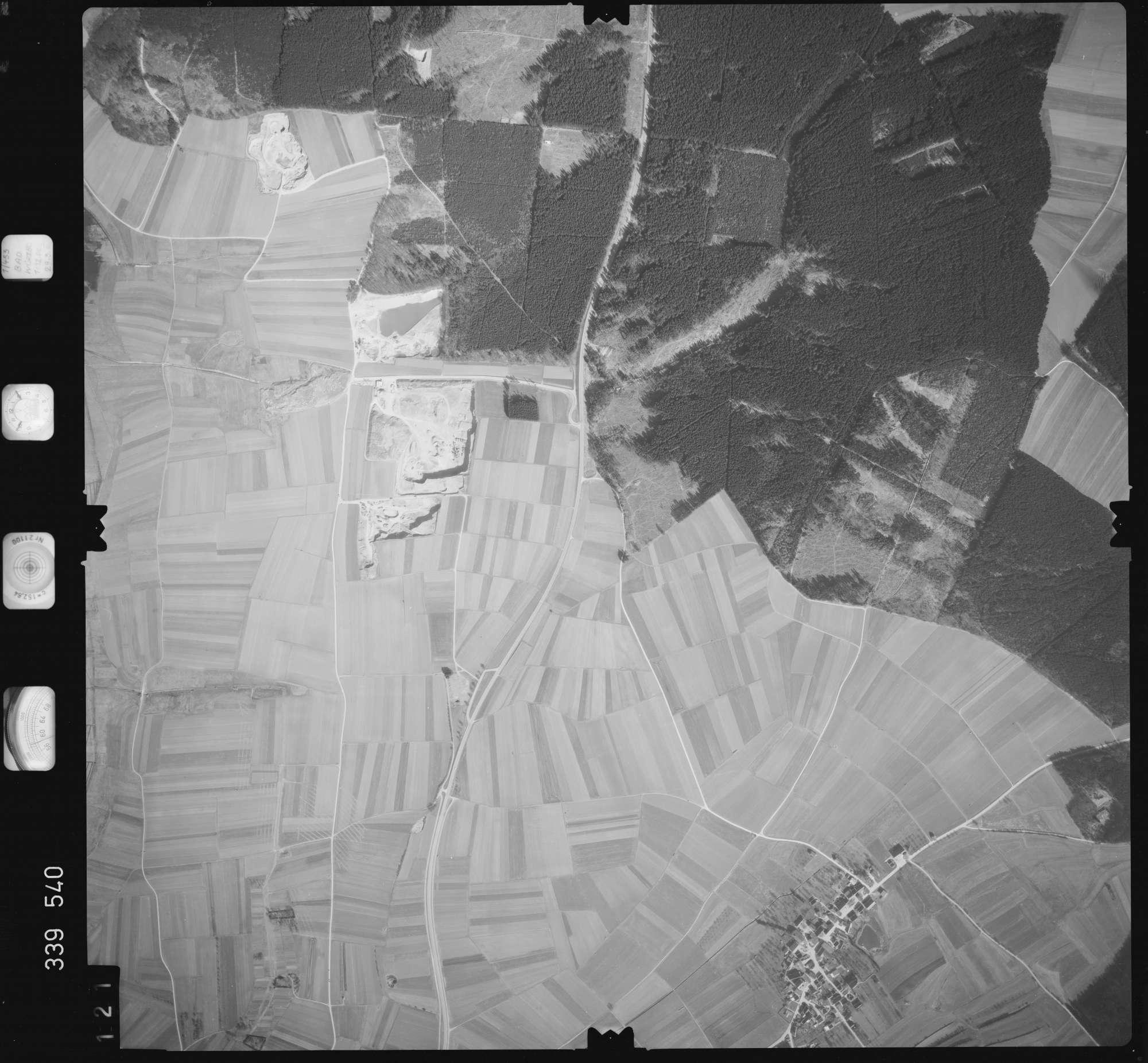 Luftbild: Film 50 Bildnr. 121, Bild 1