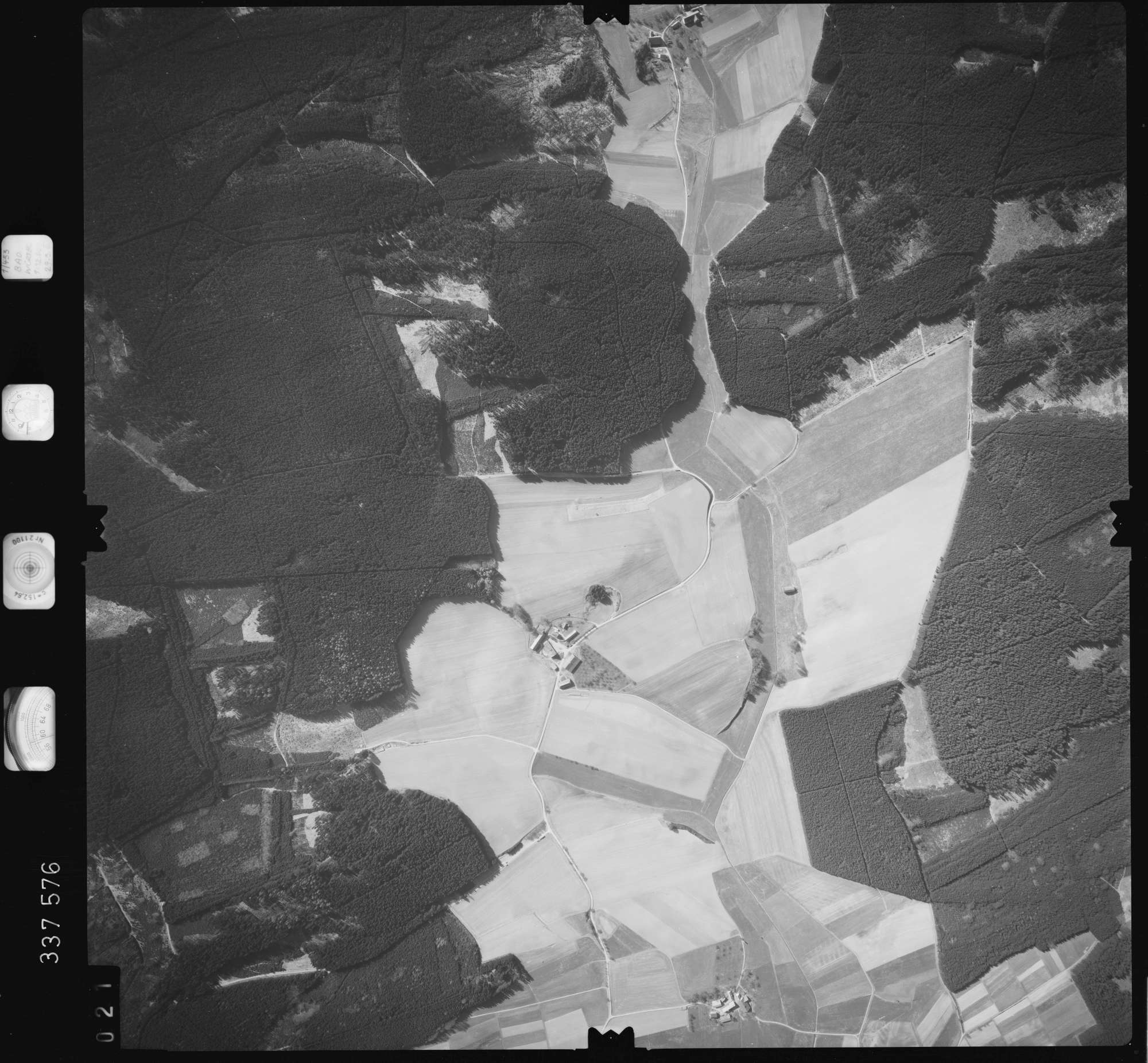 Luftbild: Film 50 Bildnr. 21, Bild 1