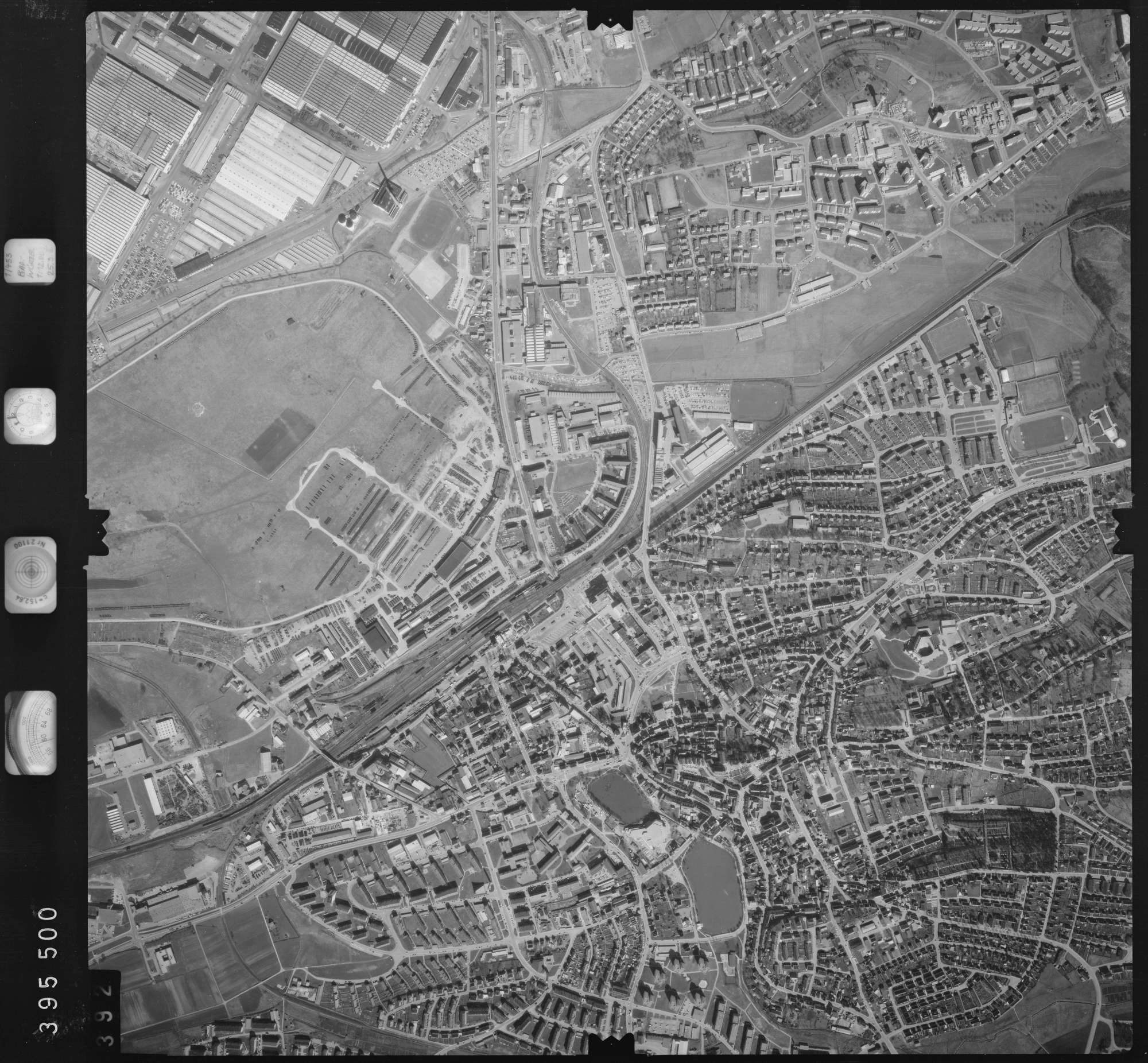 Luftbild: Film 13 Bildnr. 392, Bild 1