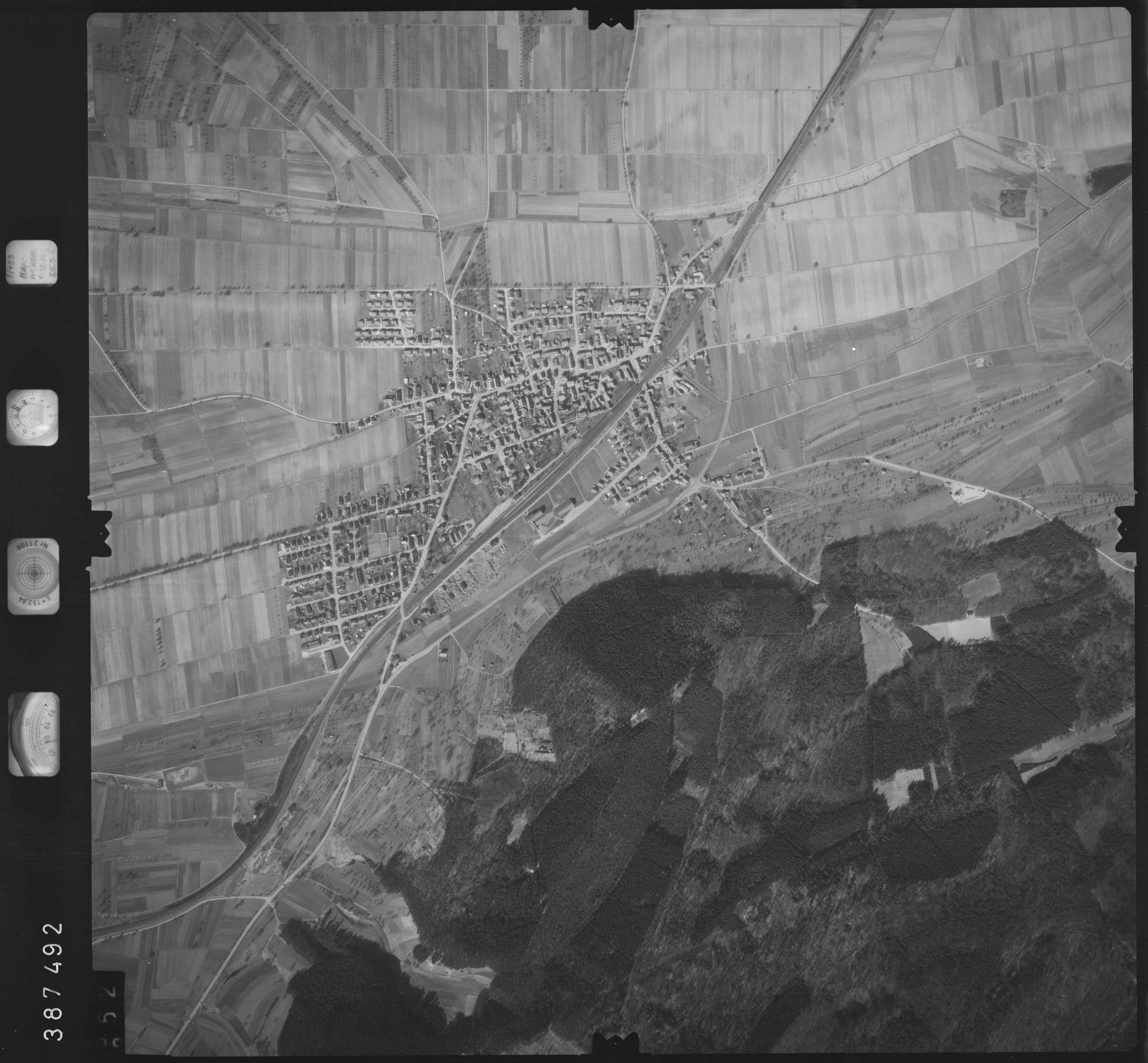 Luftbild: Film 22 Bildnr. 252, Bild 1