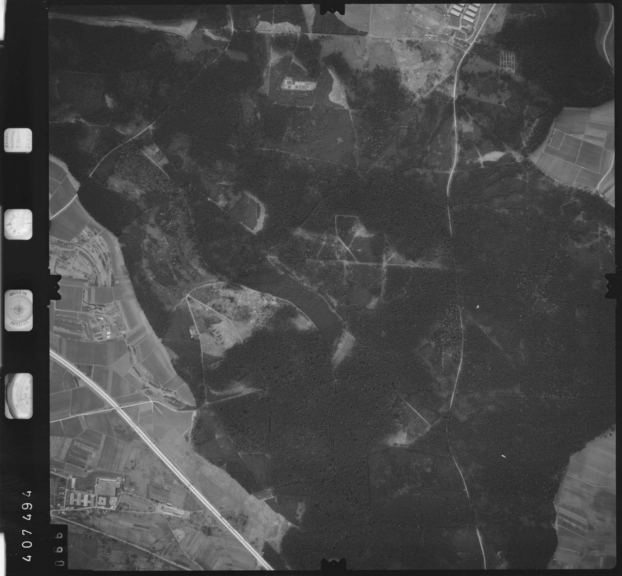 Luftbild: Film 5 Bildnr. 66, Bild 1