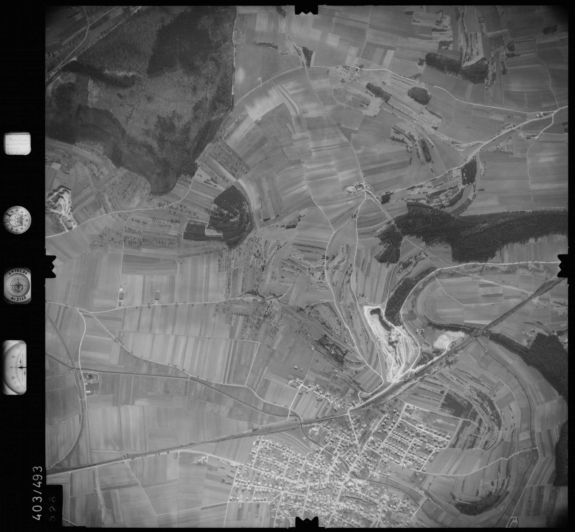 Luftbild: Film 10 Bildnr. 526, Bild 1