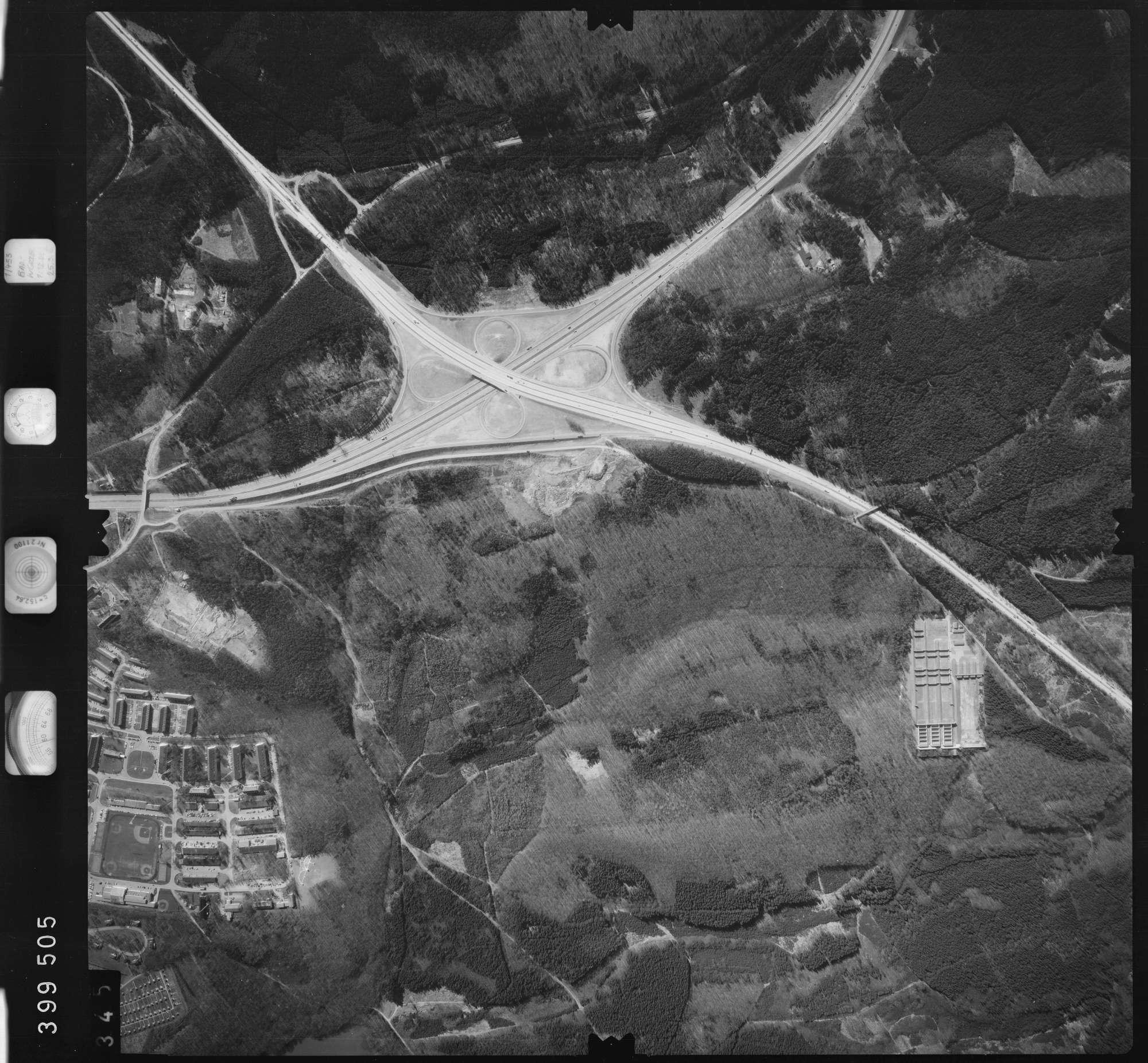 Luftbild: Film 13 Bildnr. 345, Bild 1