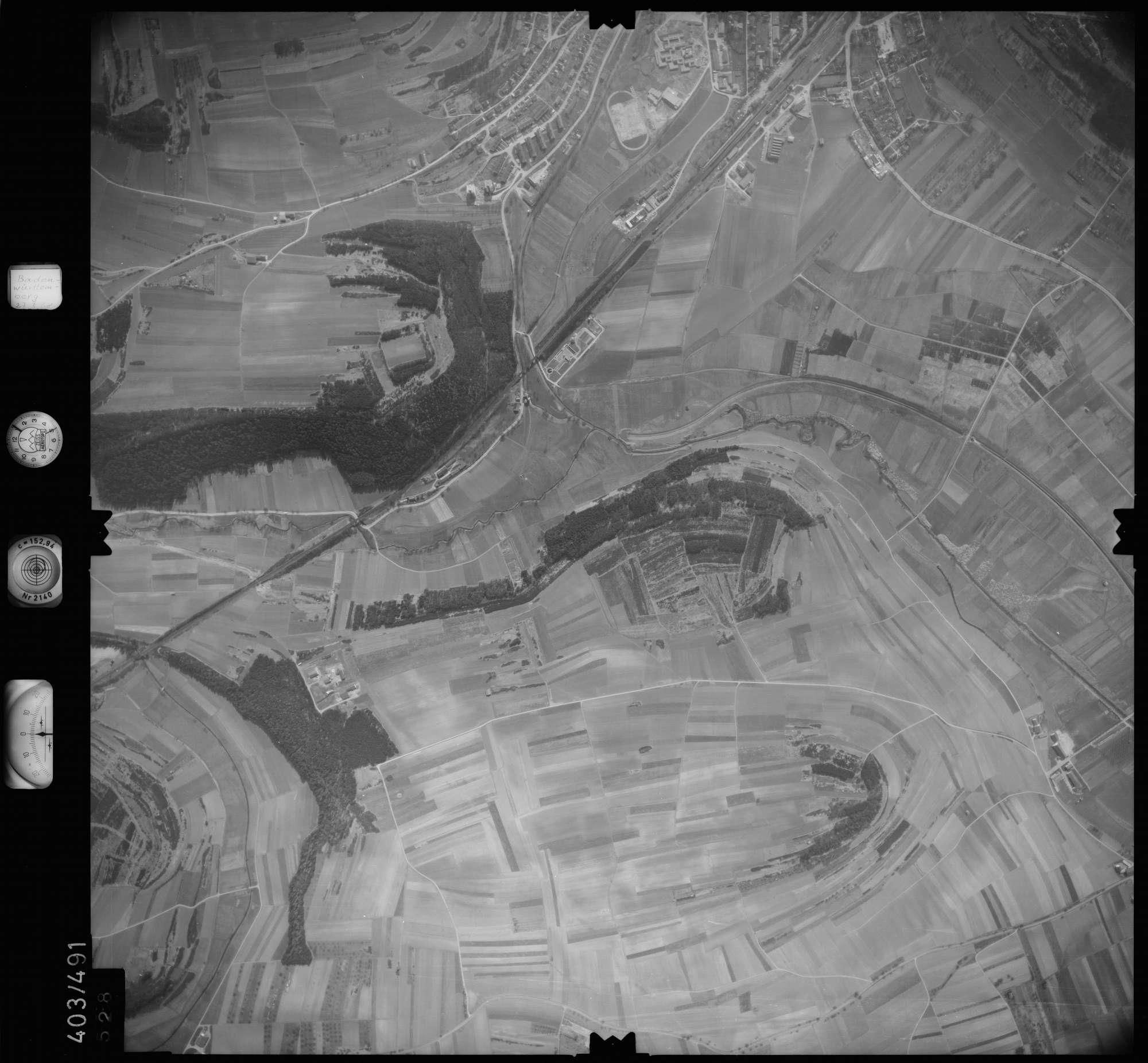 Luftbild: Film 10 Bildnr. 528, Bild 1