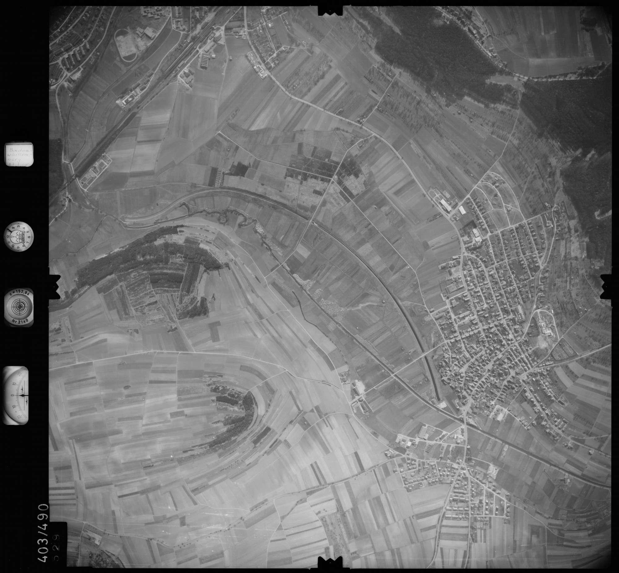 Luftbild: Film 10 Bildnr. 529, Bild 1