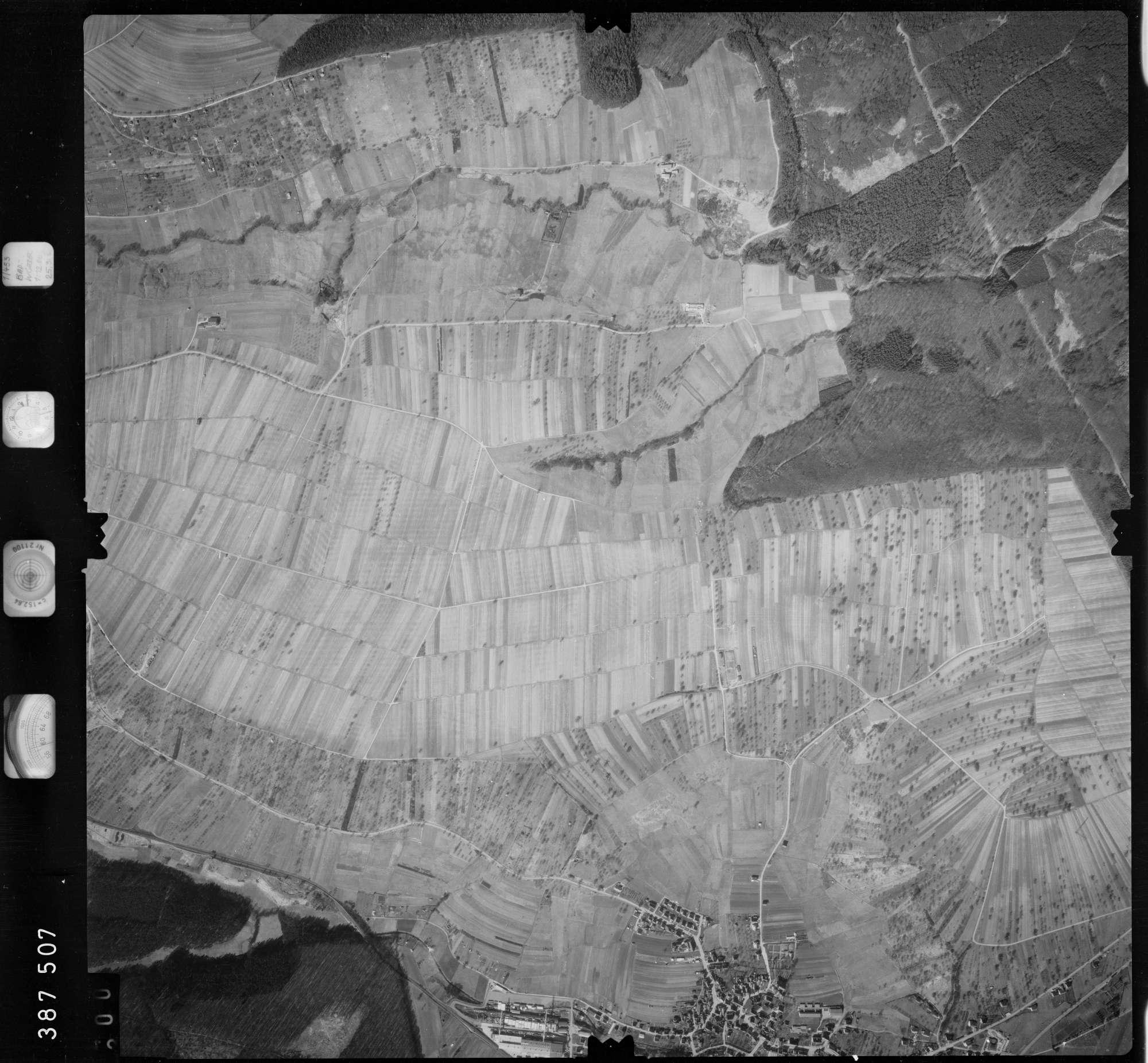 Luftbild: Film 23 Bildnr. 300, Bild 1