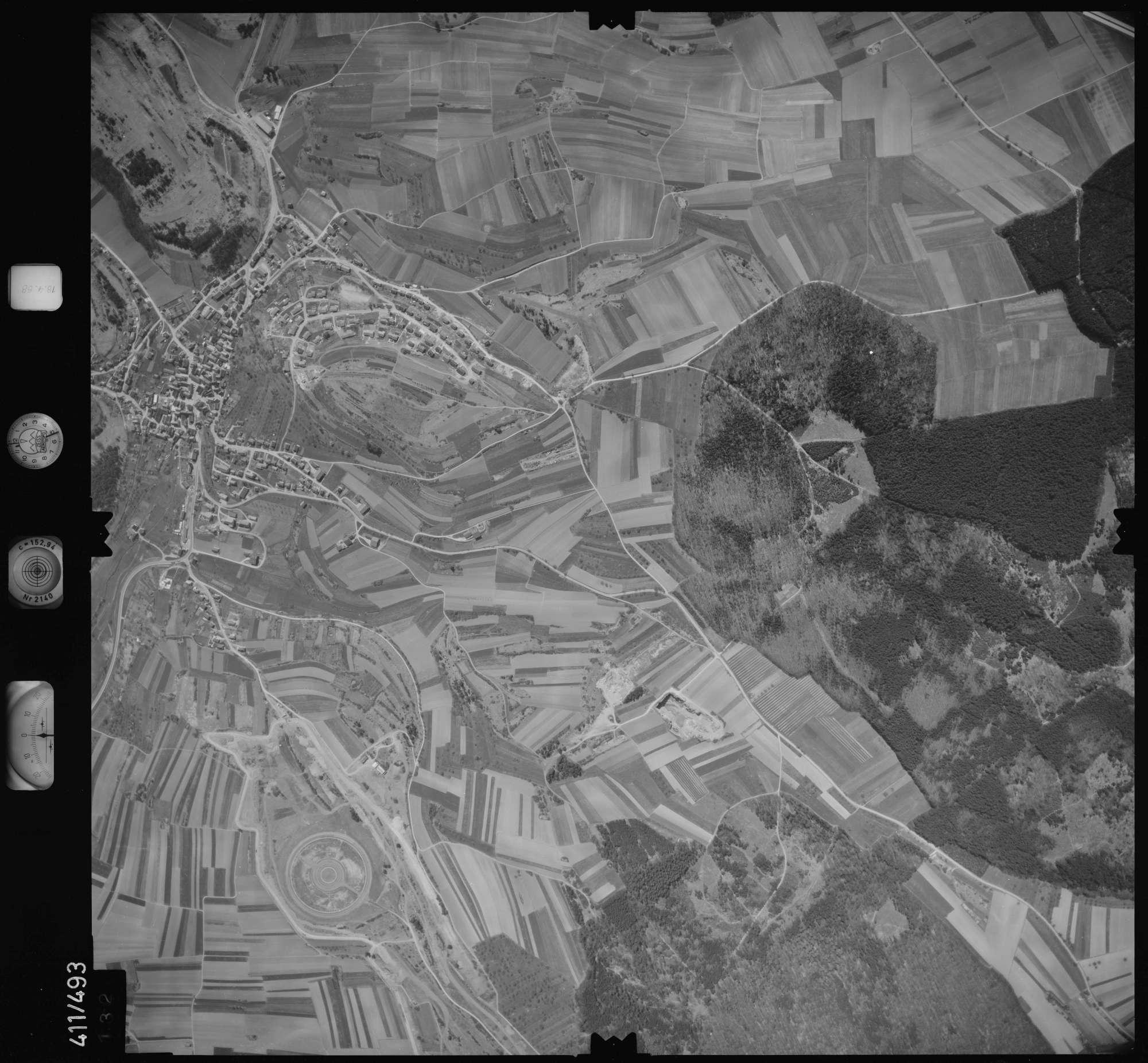 Luftbild: Film 4 Bildnr. 132, Bild 1