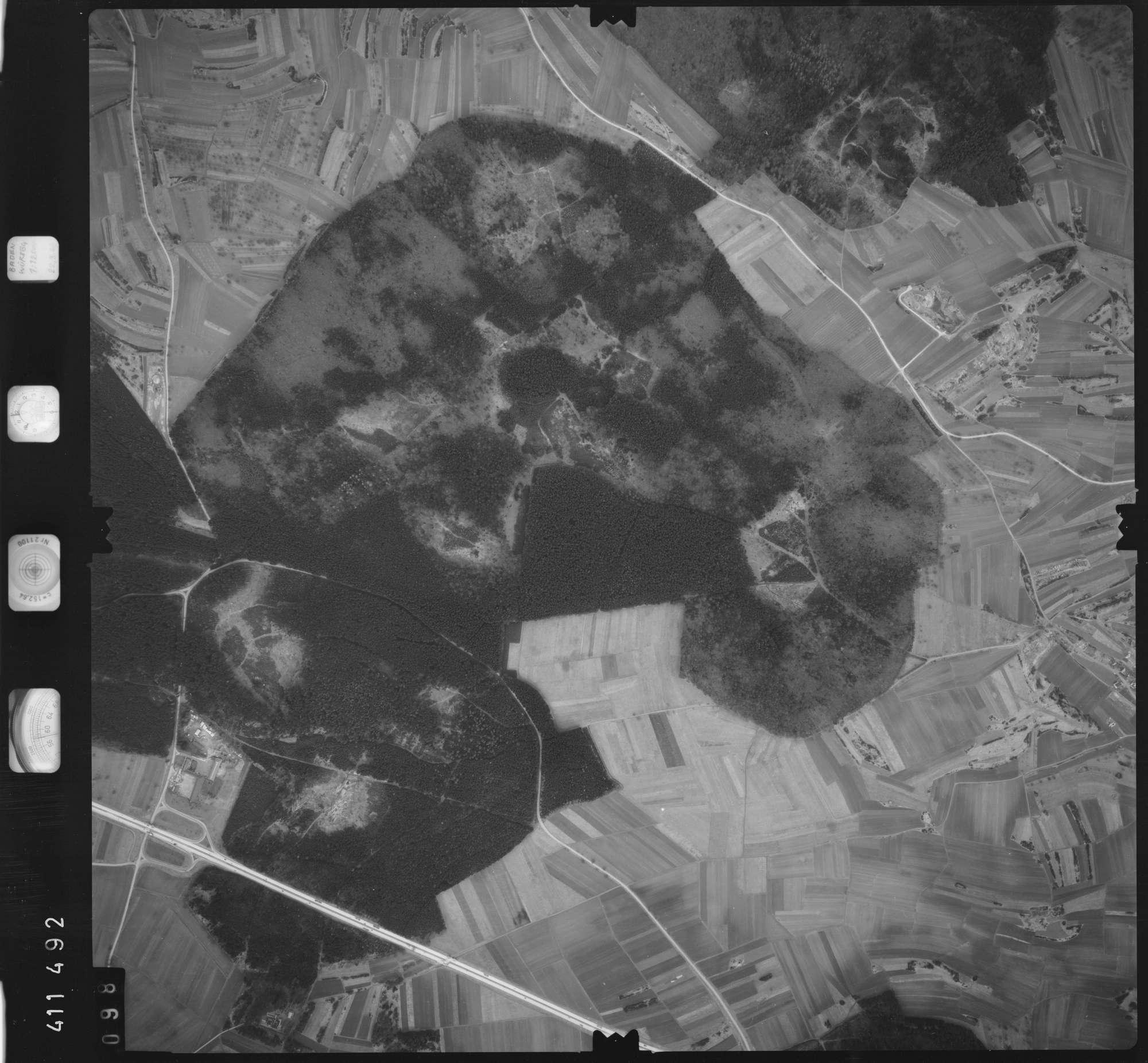 Luftbild: Film 5 Bildnr. 98, Bild 1