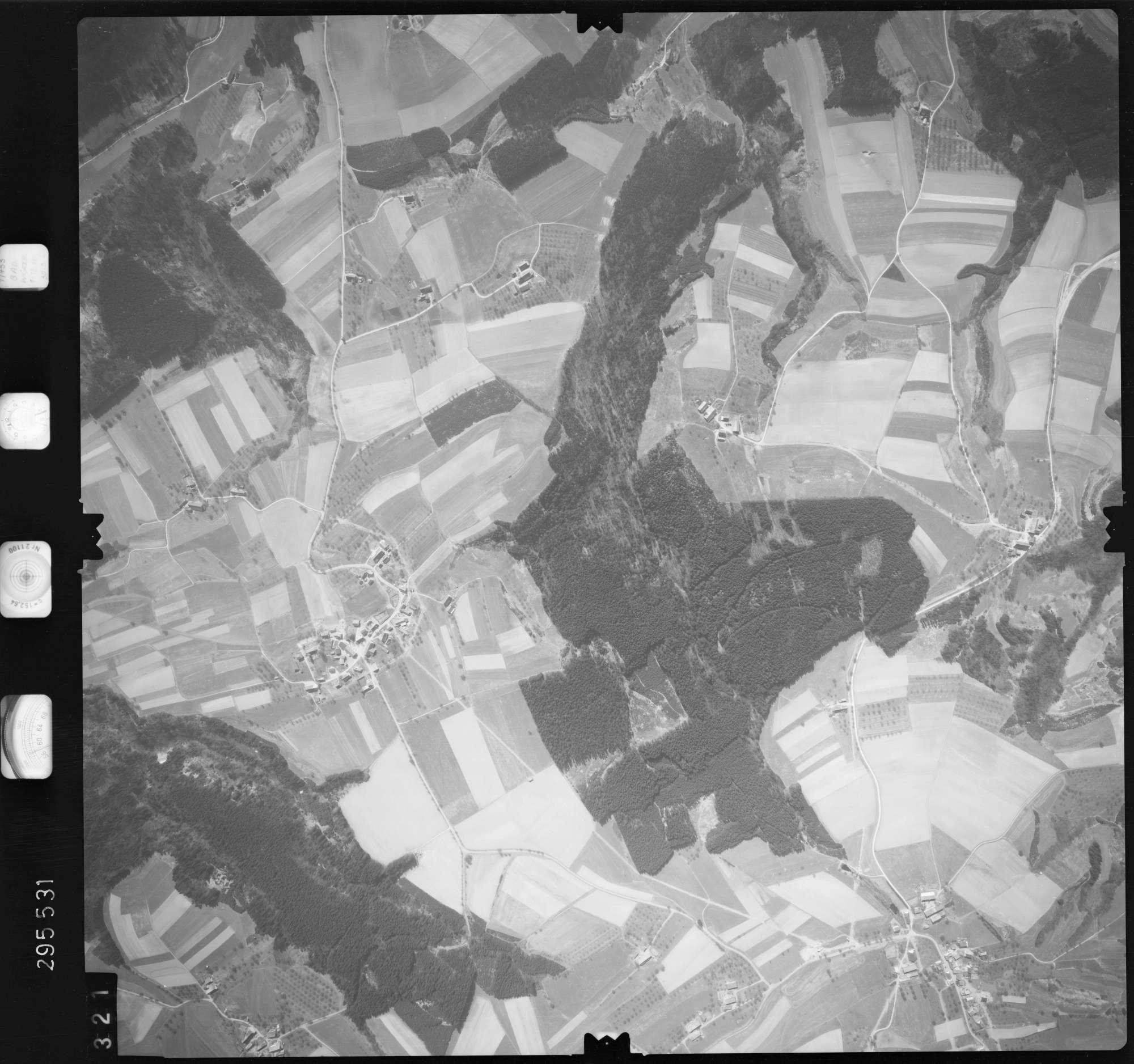 Luftbild: Film 69 Bildnr. 321, Bild 1
