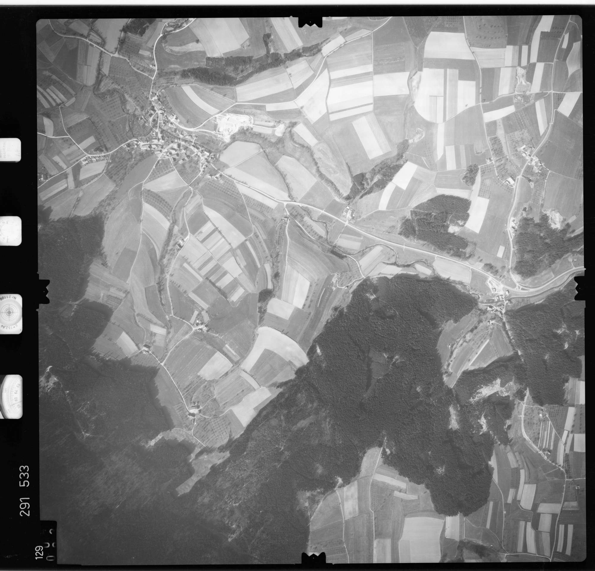 Luftbild: Film 74 Bildnr. 129, Bild 1