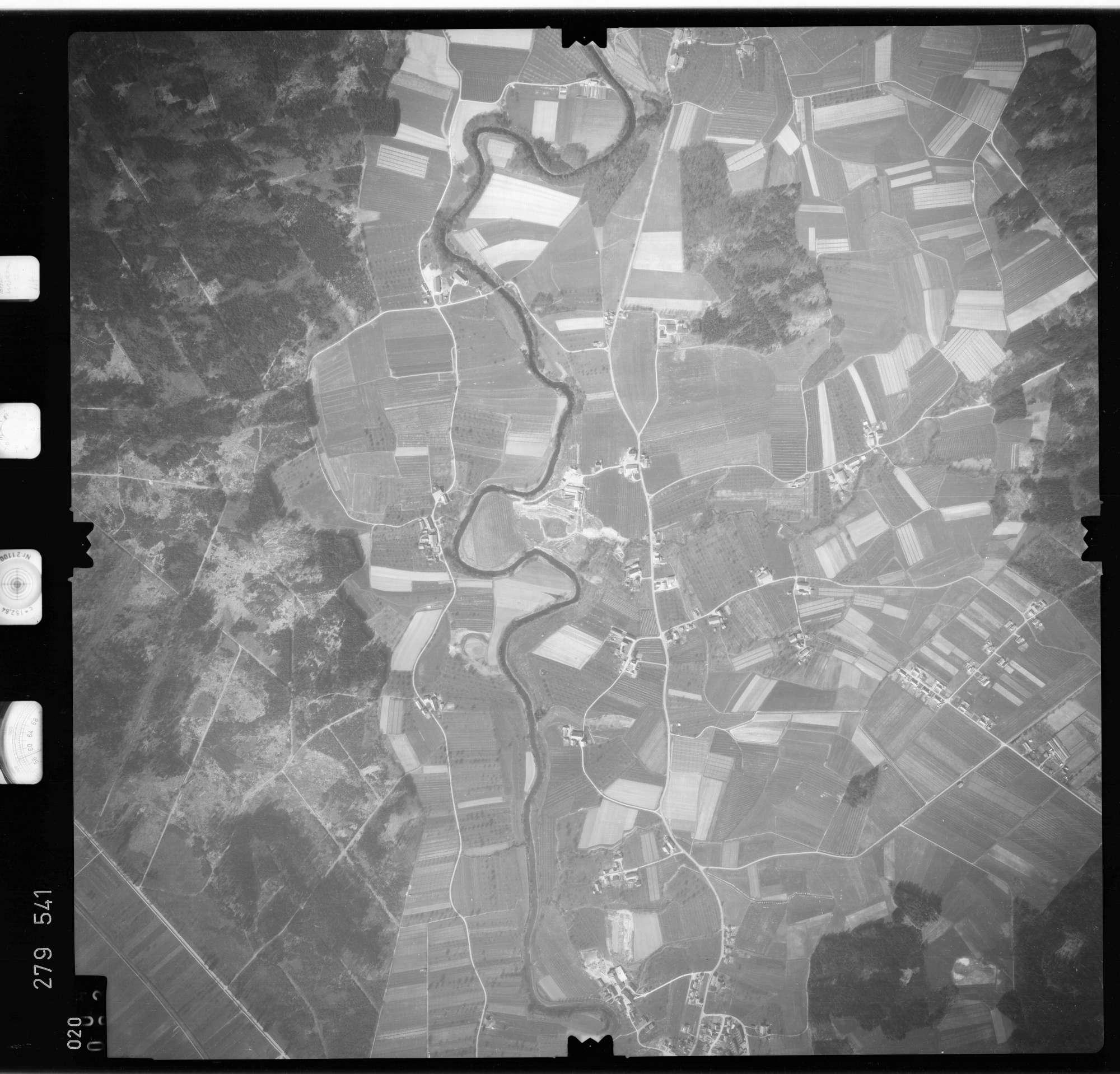 Luftbild: Film 74 Bildnr. 20, Bild 1