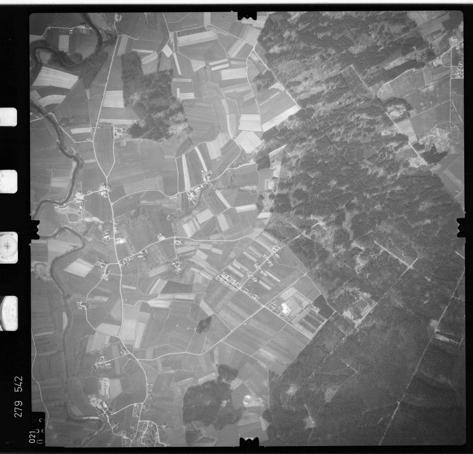 Luftbild: Film 74 Bildnr. 21, Bild 1