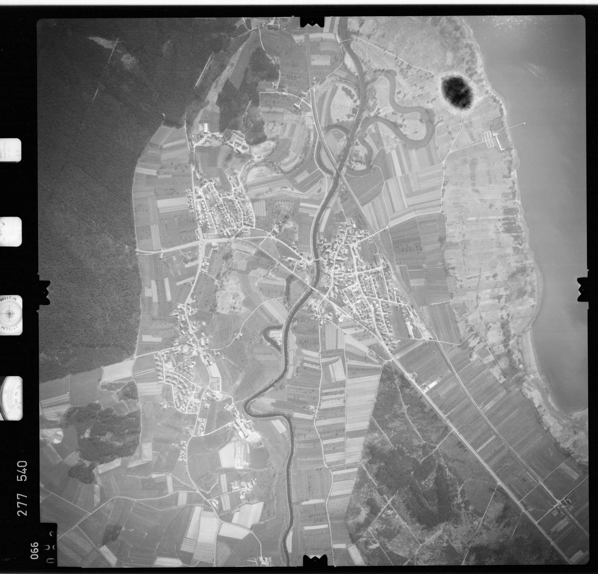 Luftbild: Film 74 Bildnr. 66, Bild 1