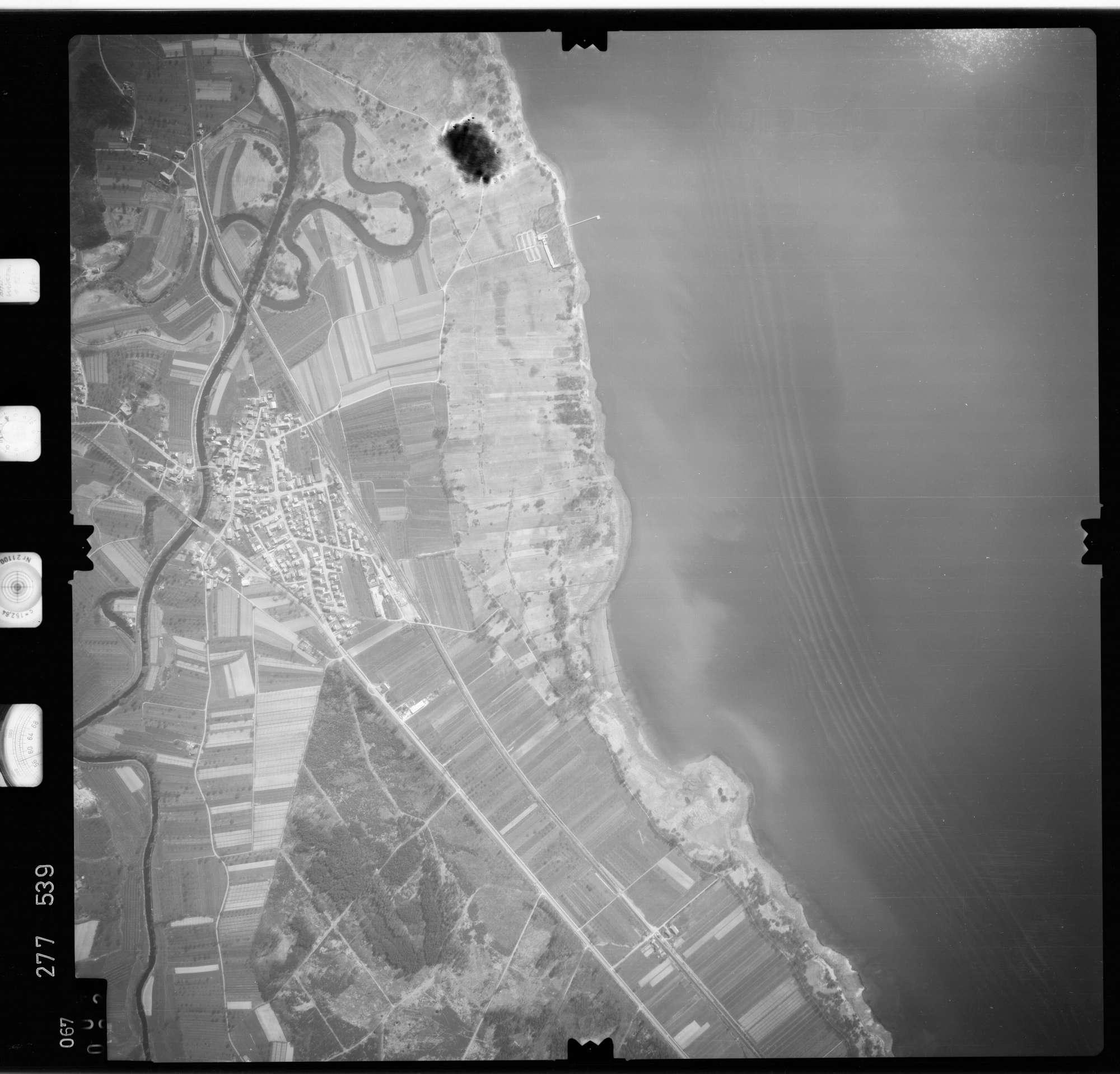 Luftbild: Film 74 Bildnr. 67, Bild 1