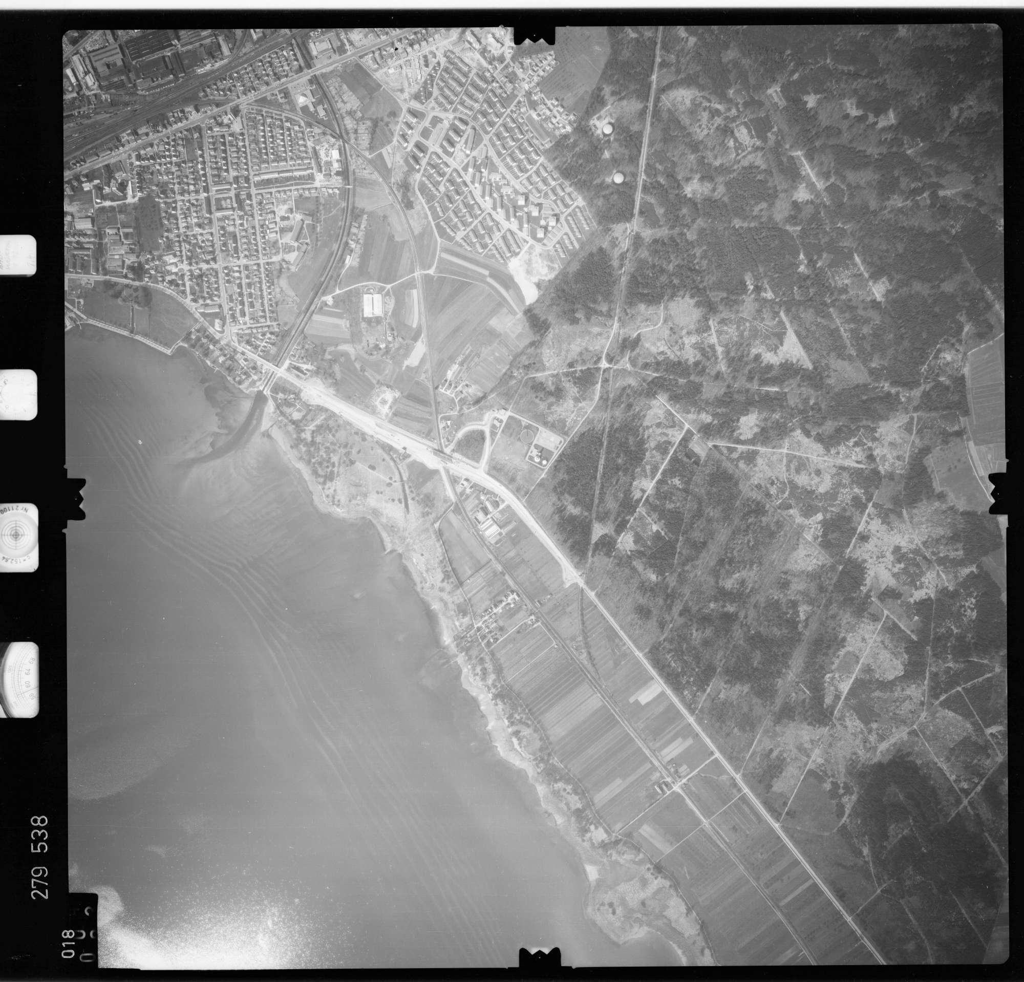 Luftbild: Film 74 Bildnr. 18, Bild 1