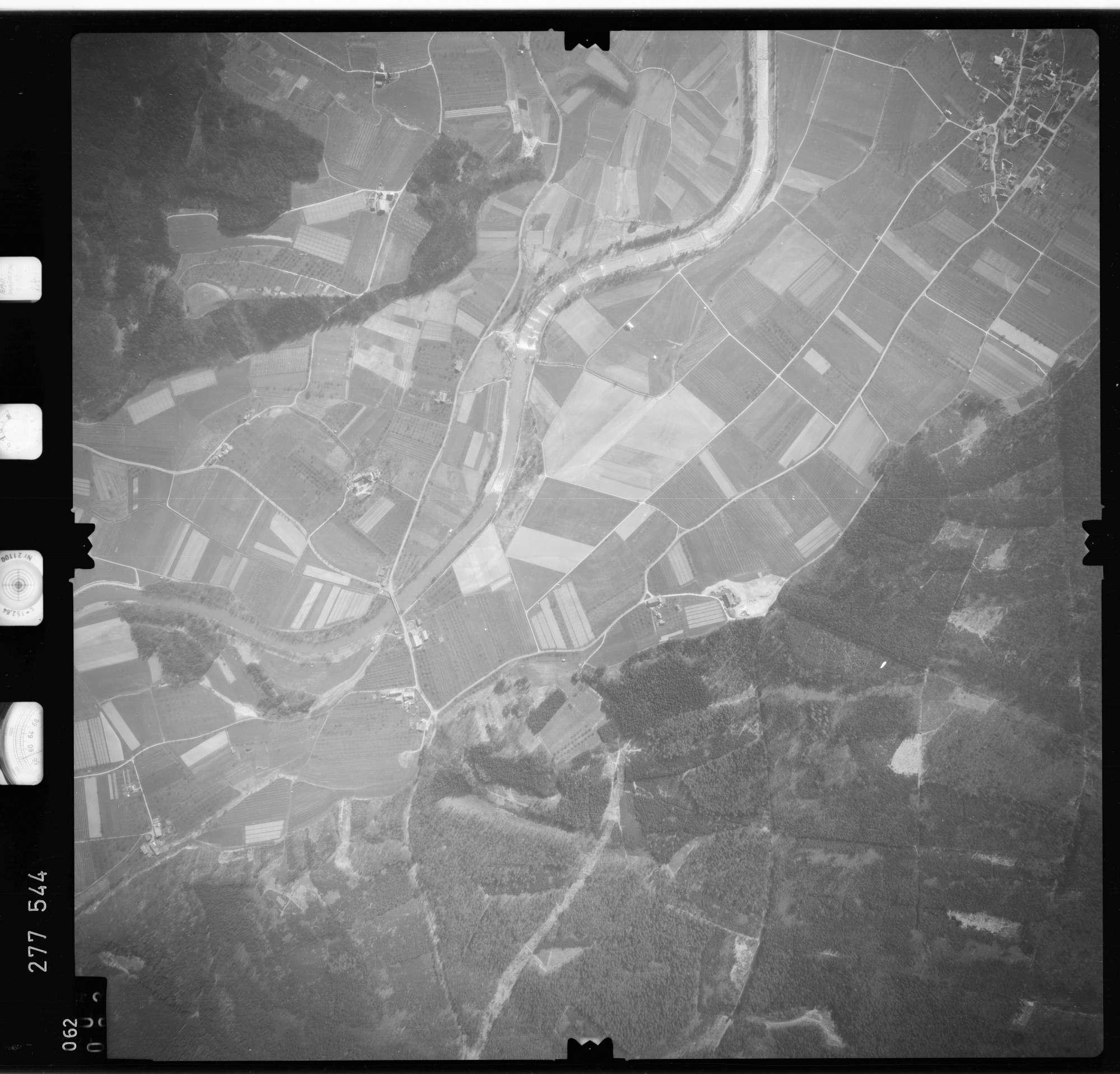 Luftbild: Film 74 Bildnr. 62, Bild 1