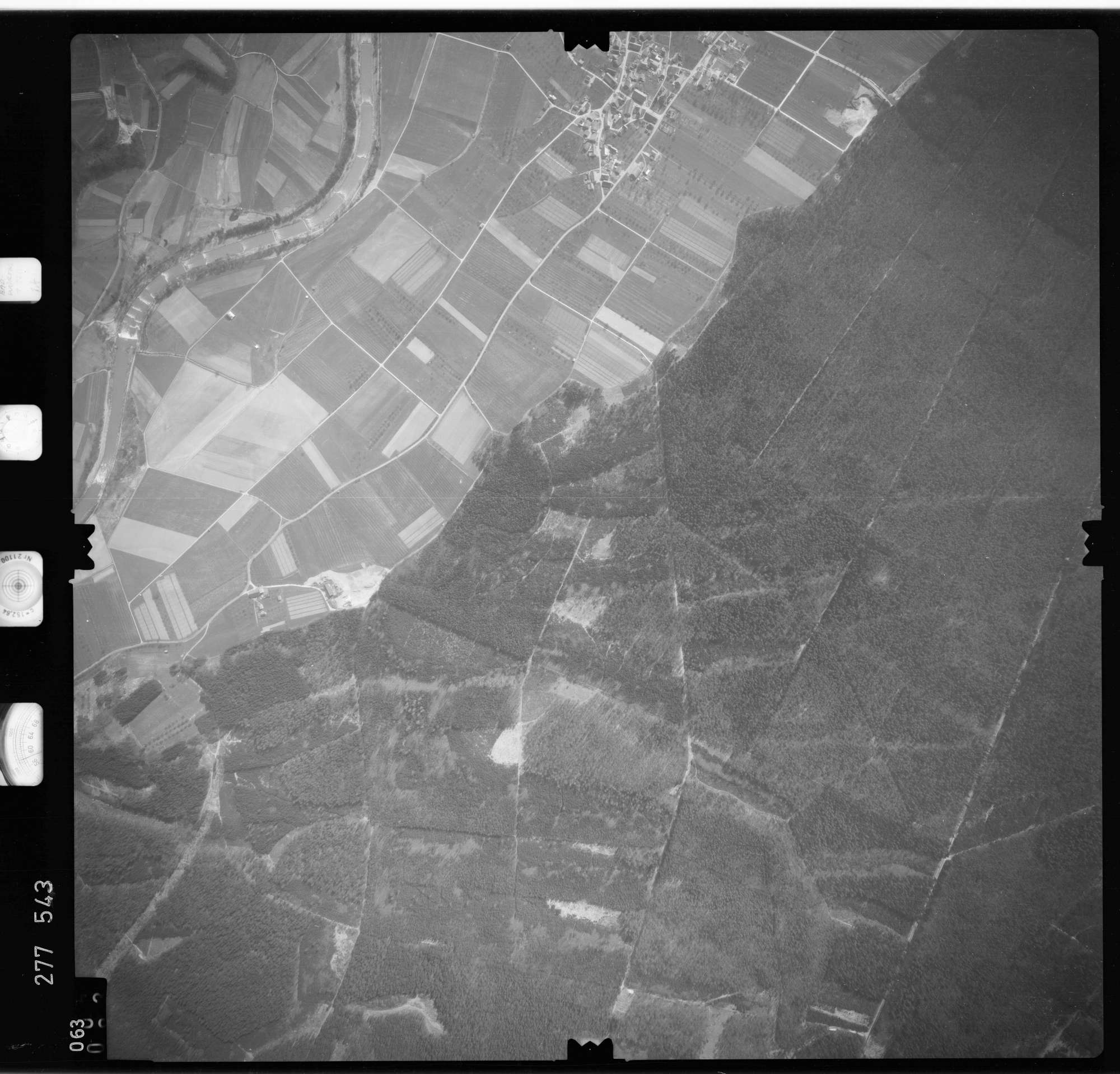 Luftbild: Film 74 Bildnr. 63, Bild 1