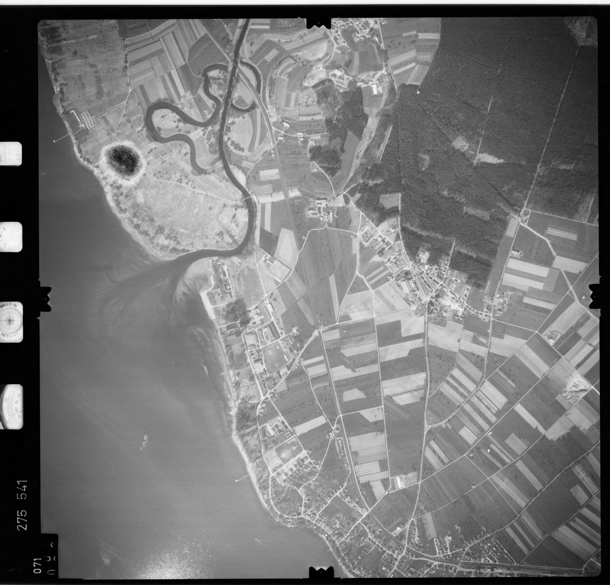 Luftbild: Film 74 Bildnr. 71, Bild 1