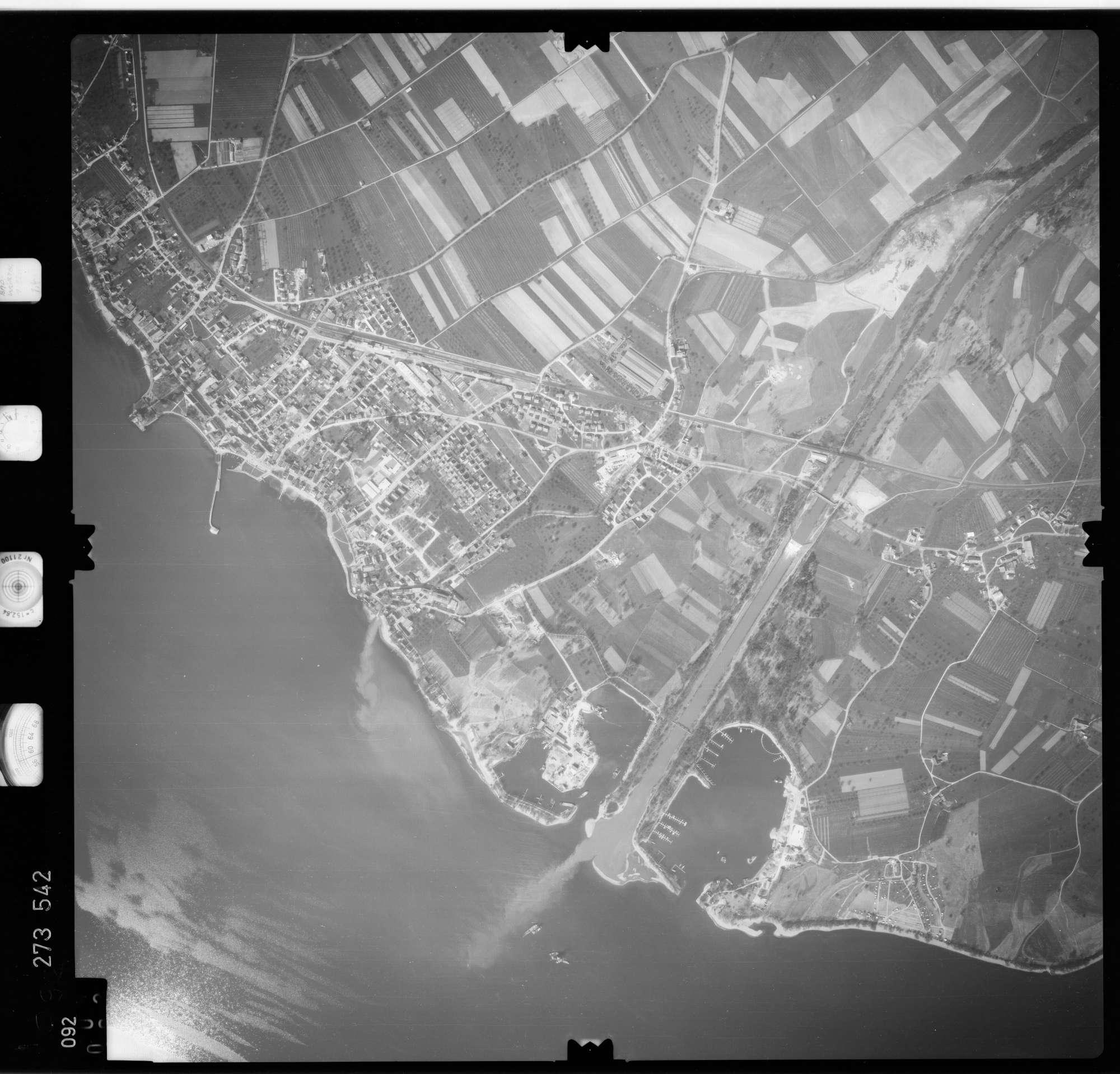 Luftbild: Film 74 Bildnr. 92, Bild 1