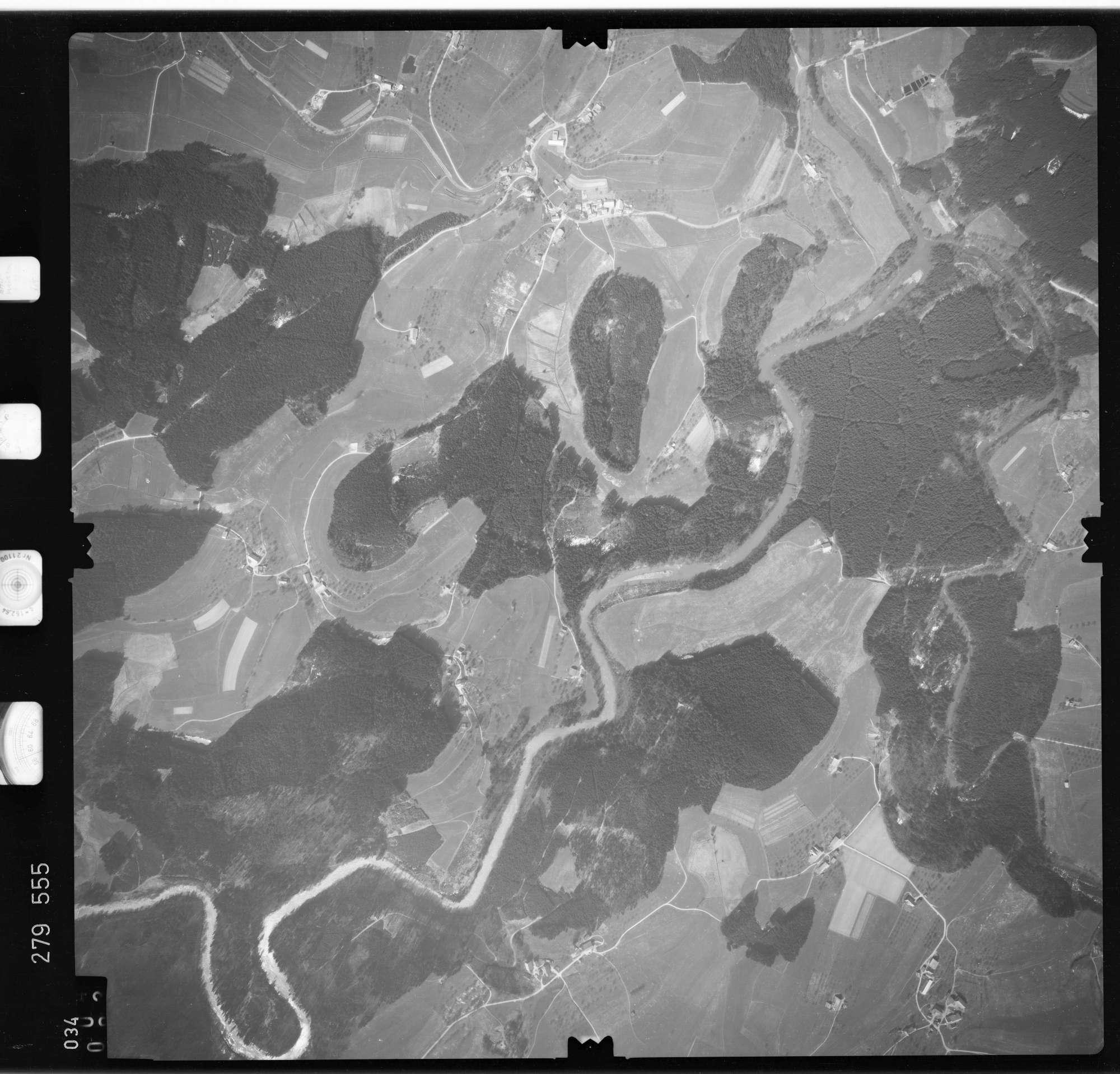 Luftbild: Film 74 Bildnr. 34, Bild 1