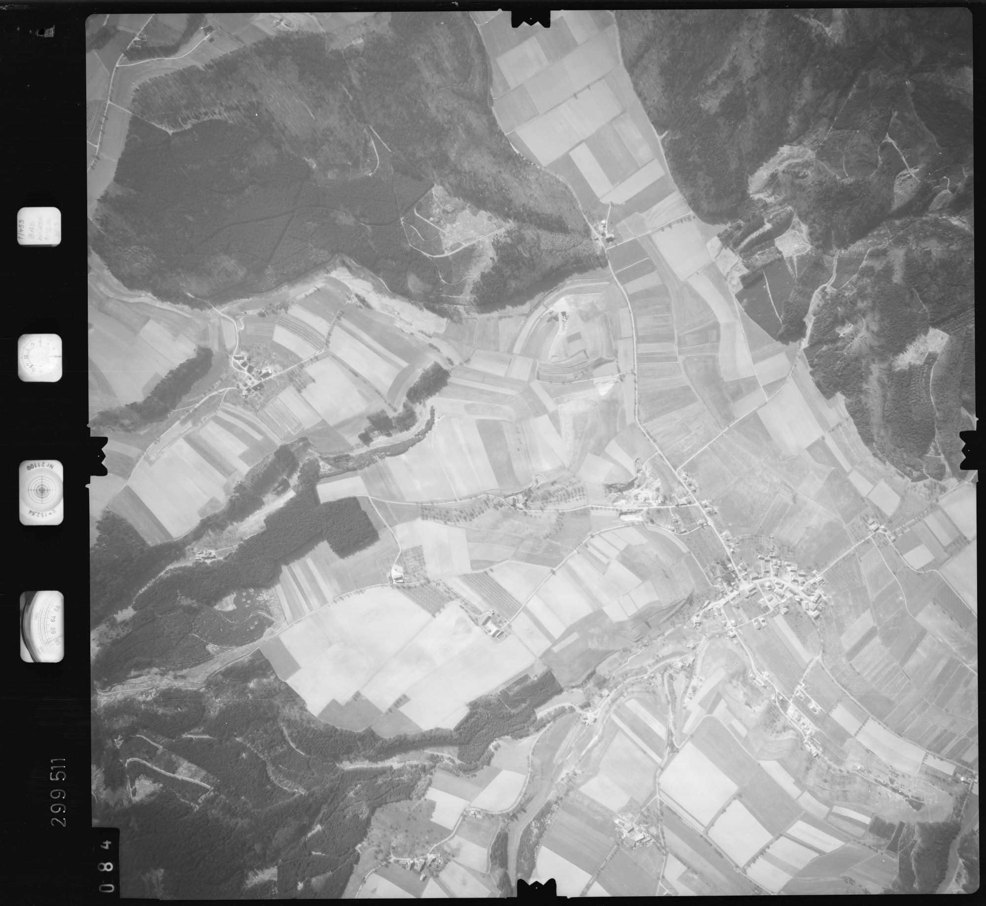 Luftbild: Film 66 Bildnr. 84, Bild 1