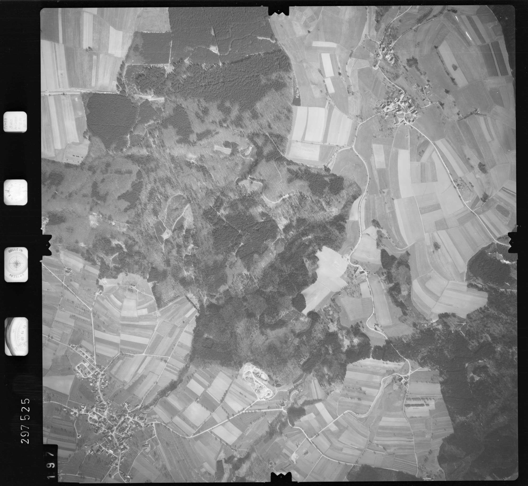 Luftbild: Film 66 Bildnr. 197, Bild 1