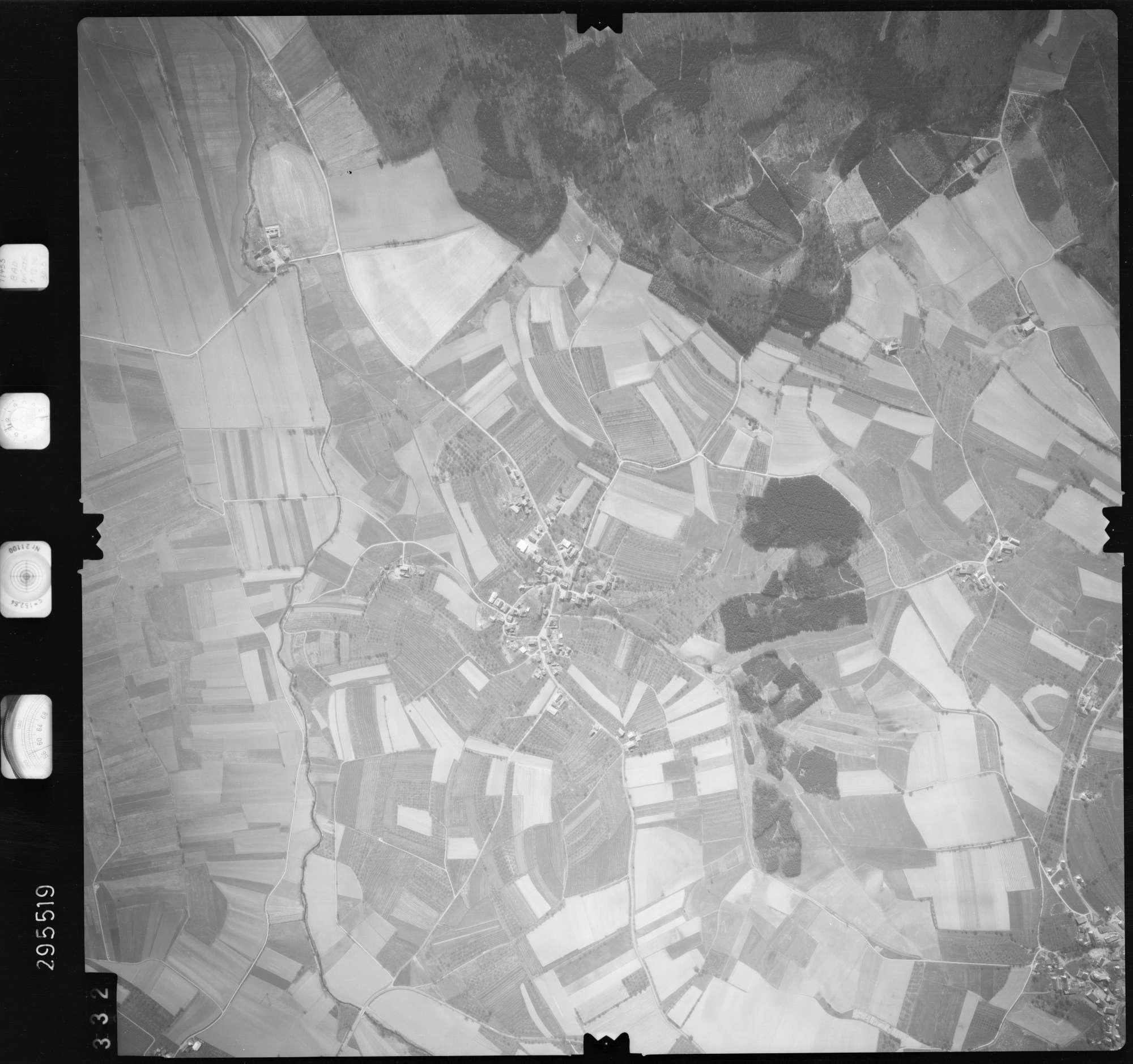 Luftbild: Film 69 Bildnr. 332, Bild 1