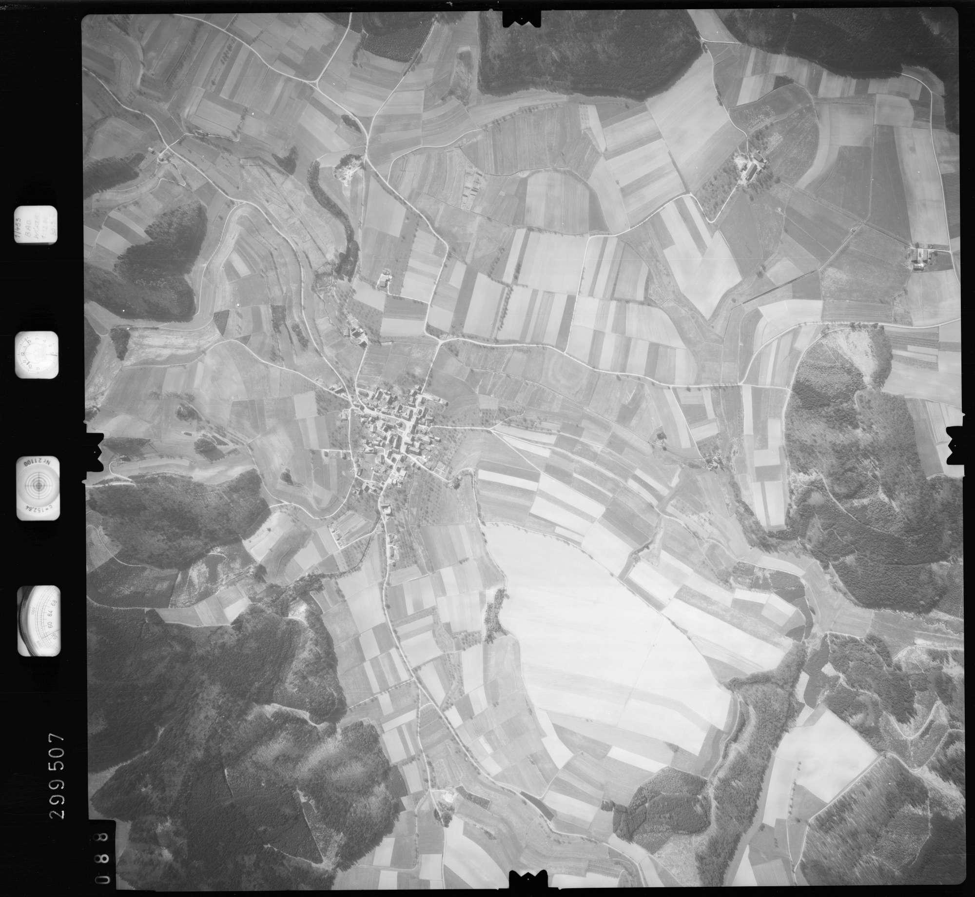 Luftbild: Film 66 Bildnr. 88, Bild 1