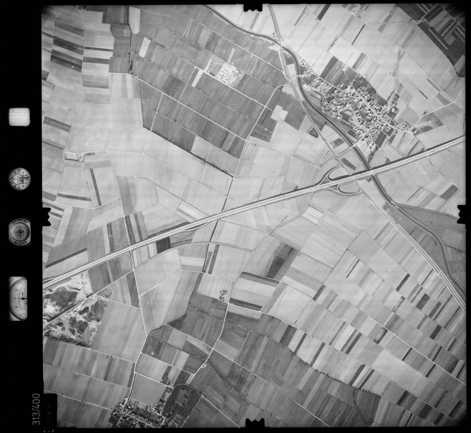 Luftbild: Film 54 Bildnr. 126, Bild 1