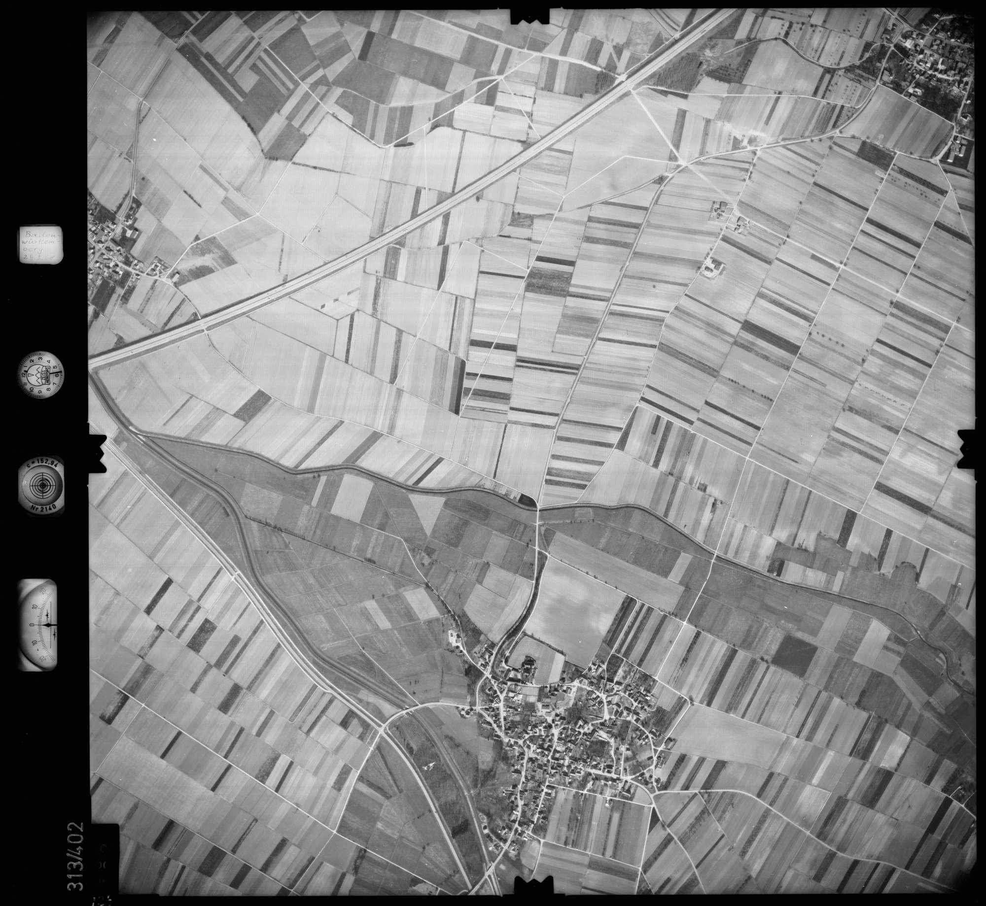 Luftbild: Film 54 Bildnr. 128, Bild 1