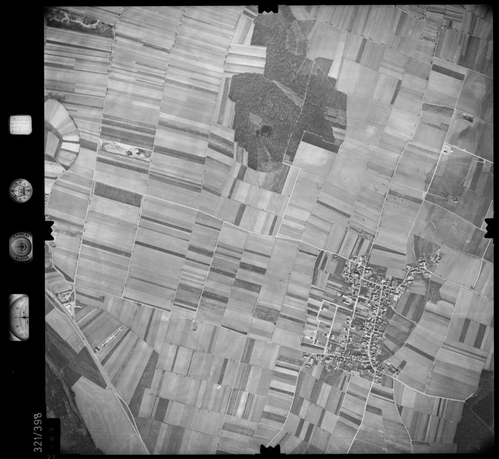 Luftbild: Film 54 Bildnr. 23, Bild 1