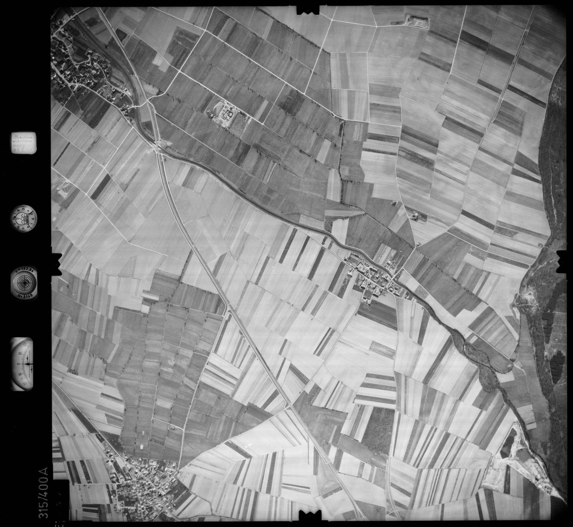 Luftbild: Film 54 Bildnr. 117, Bild 1