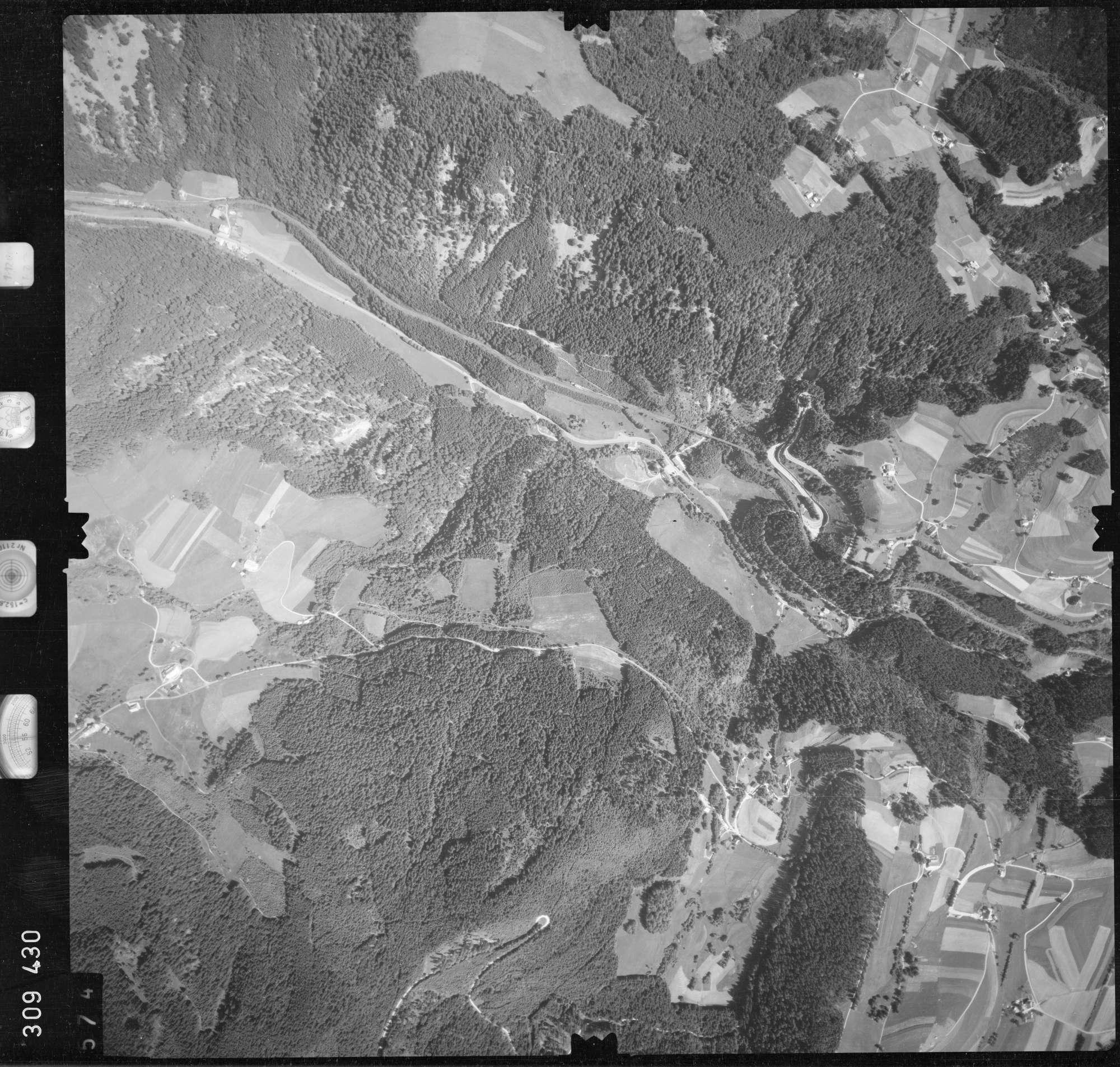 Luftbild: Film 56 Bildnr. 574, Bild 1