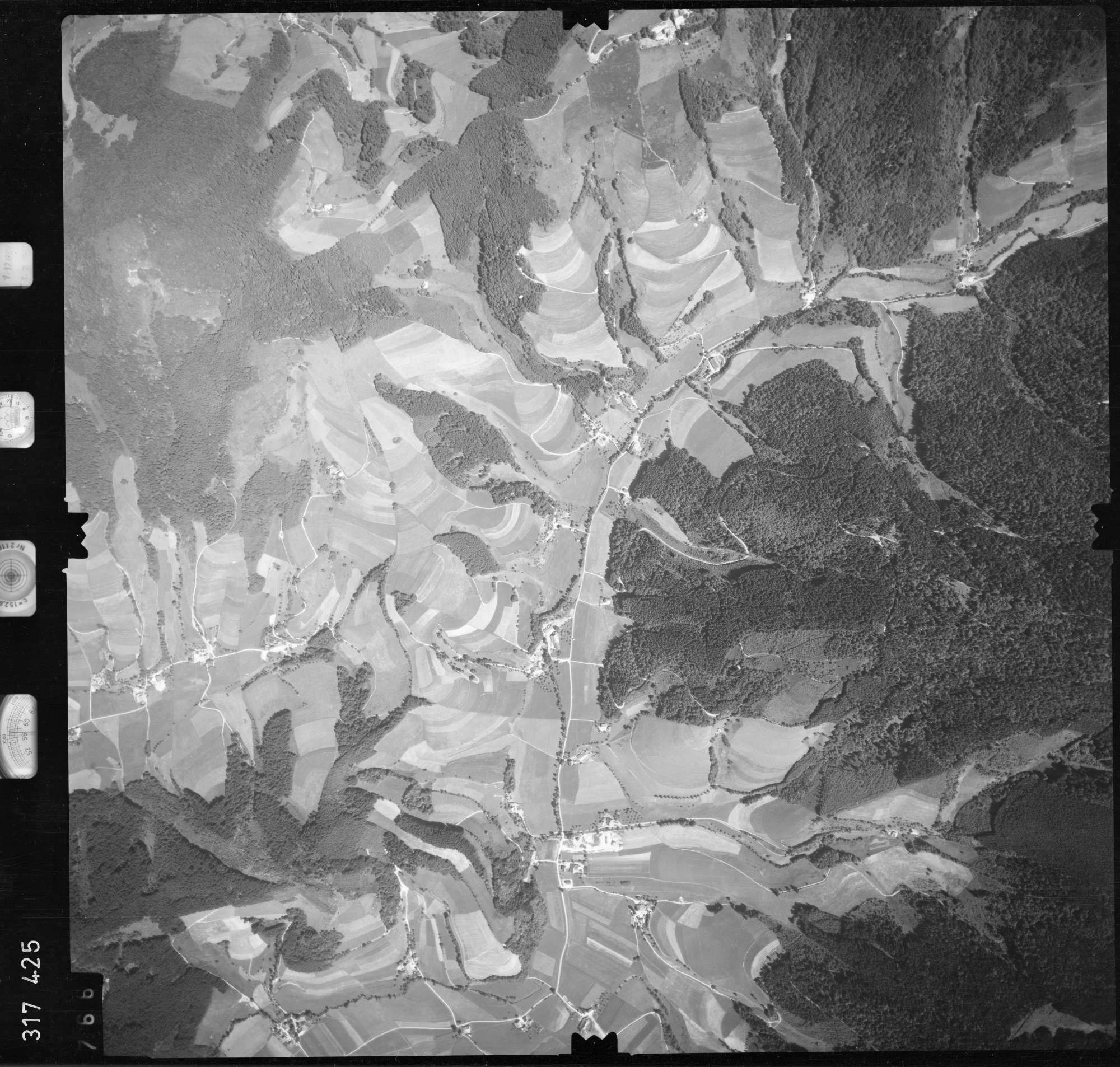 Luftbild: Film 56 Bildnr. 766, Bild 1