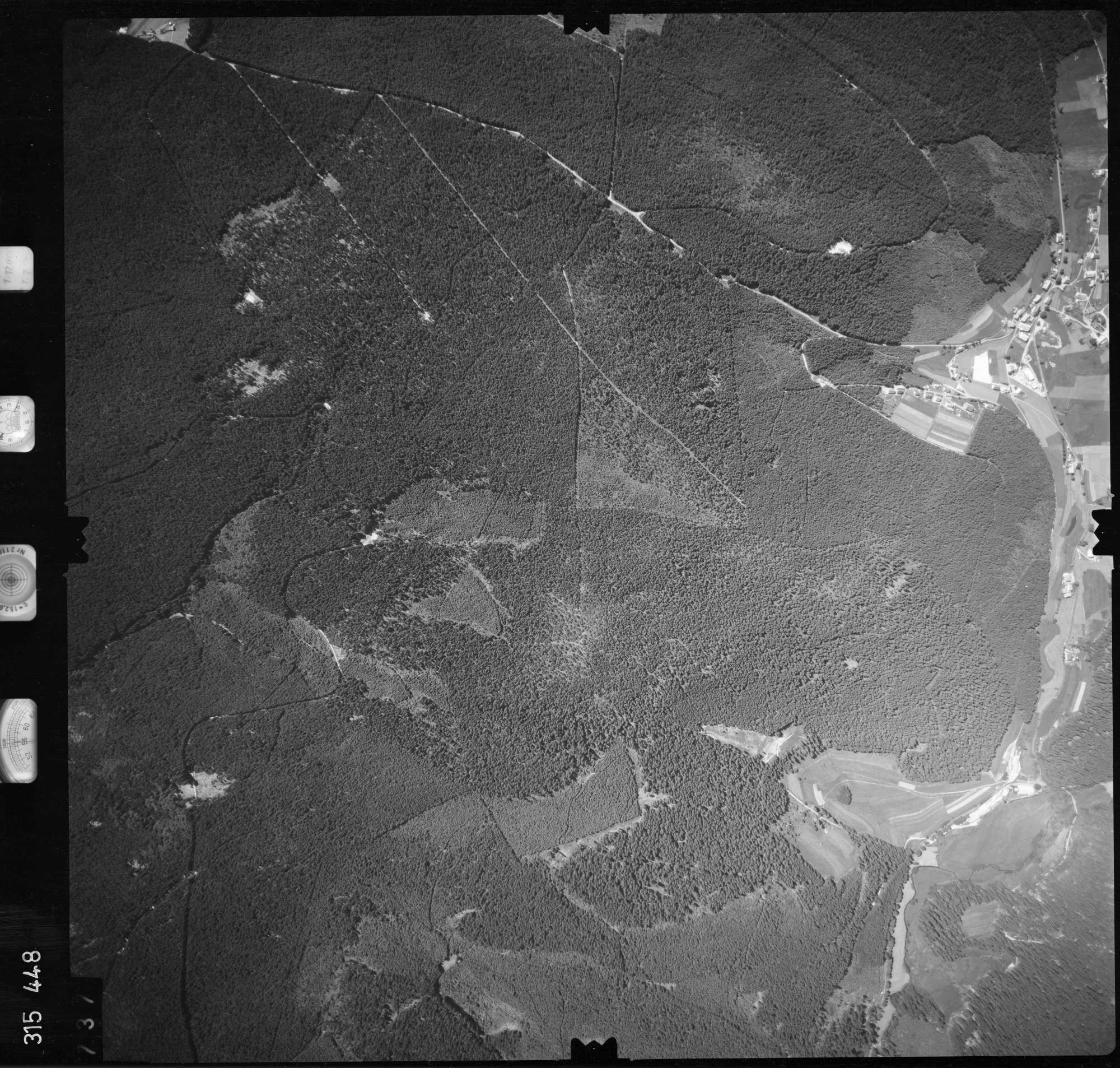Luftbild: Film 56 Bildnr. 737, Bild 1