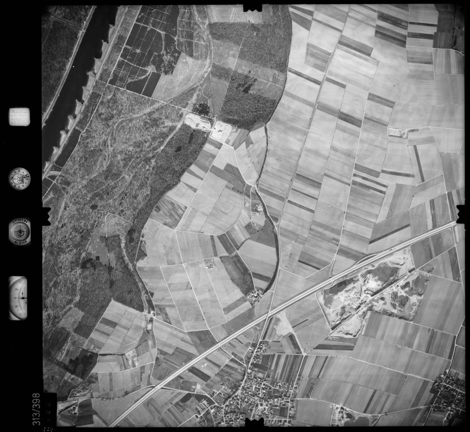 Luftbild: Film 54 Bildnr. 124, Bild 1