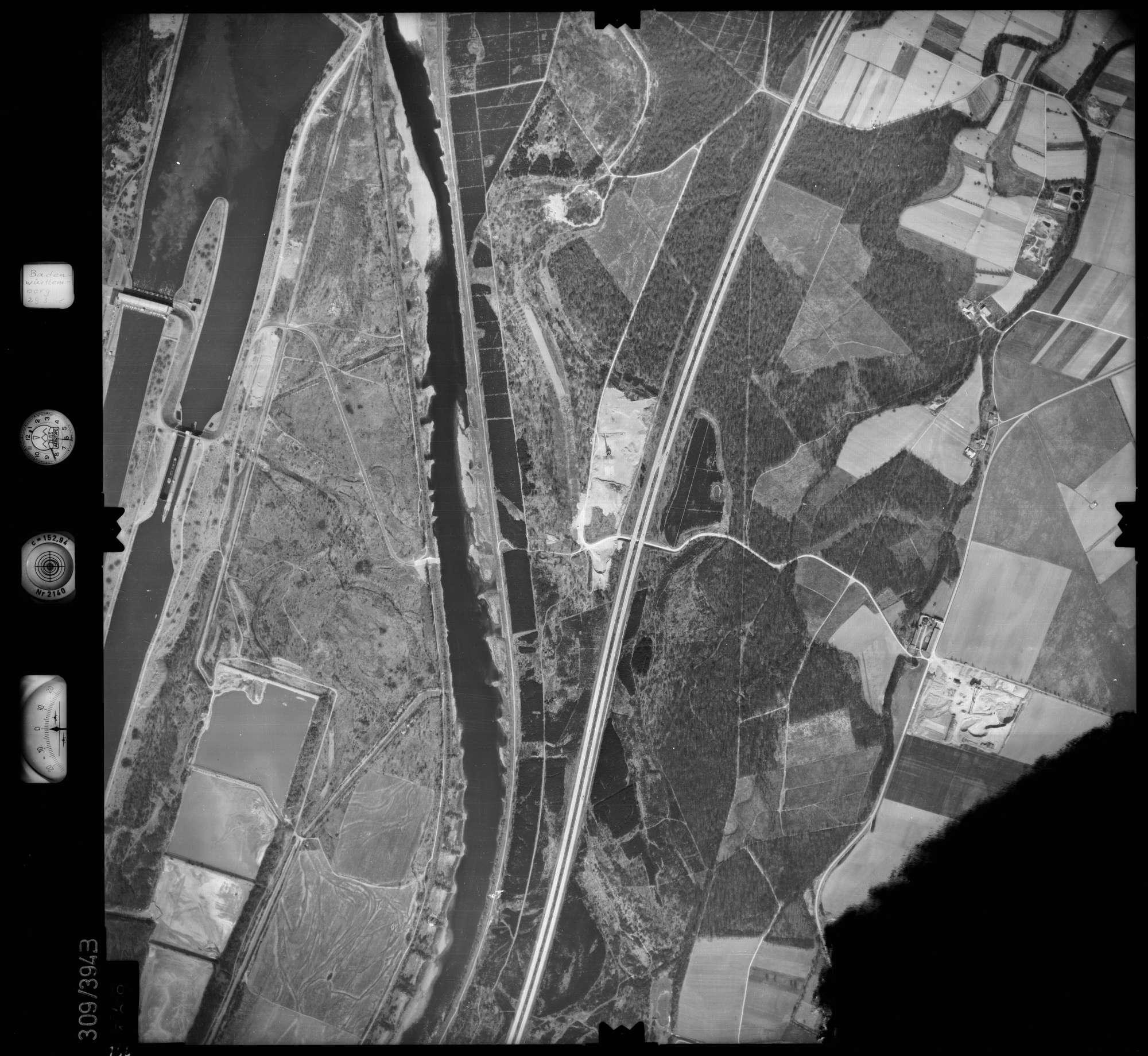 Luftbild: Film 54 Bildnr. 166, Bild 1