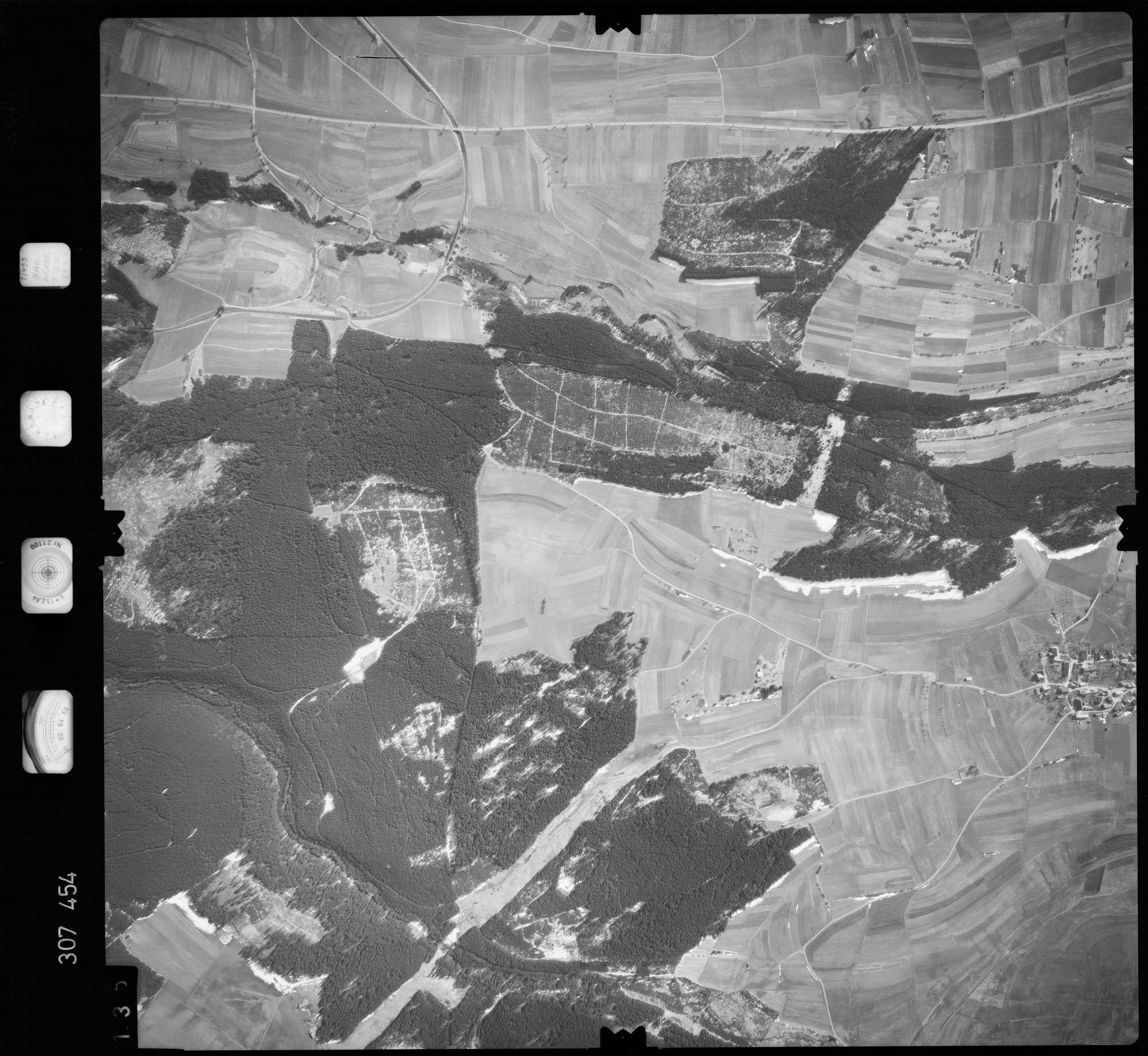 Luftbild: Film 61 Bildnr. 135, Bild 1