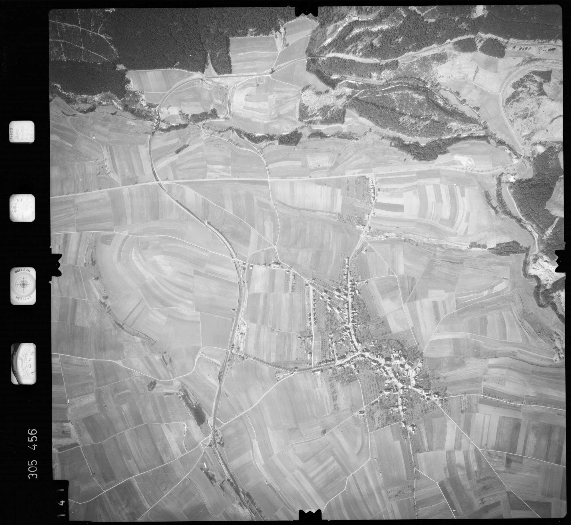 Luftbild: Film 61 Bildnr. 141, Bild 1