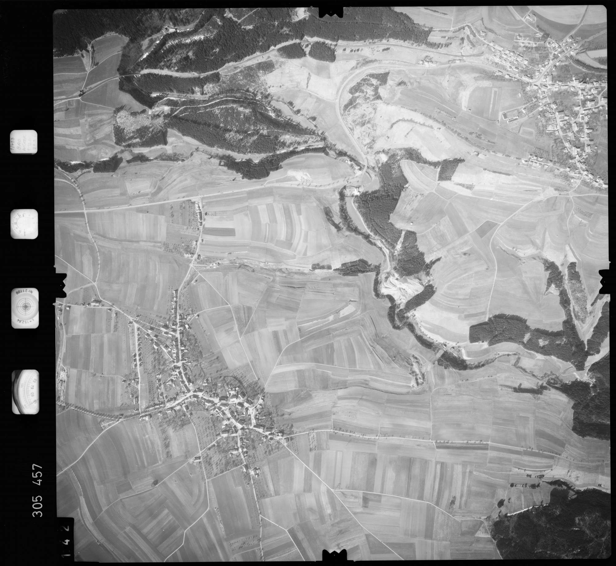Luftbild: Film 61 Bildnr. 142, Bild 1
