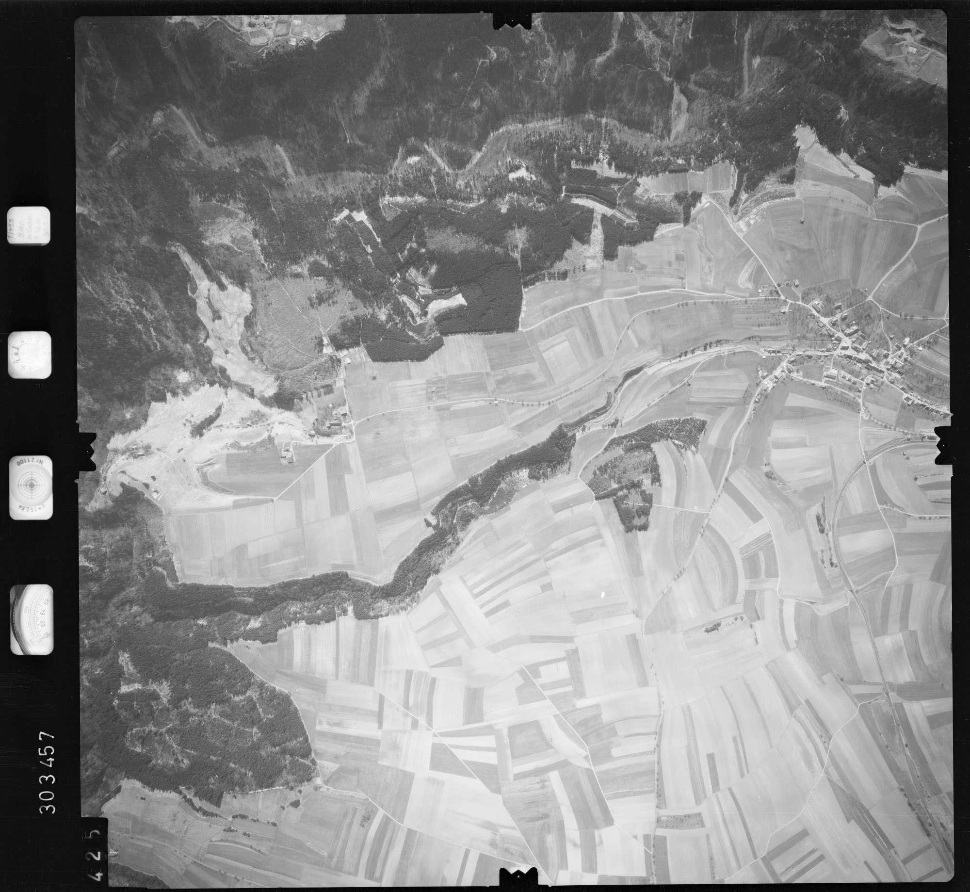 Luftbild: Film 69 Bildnr. 425, Bild 1