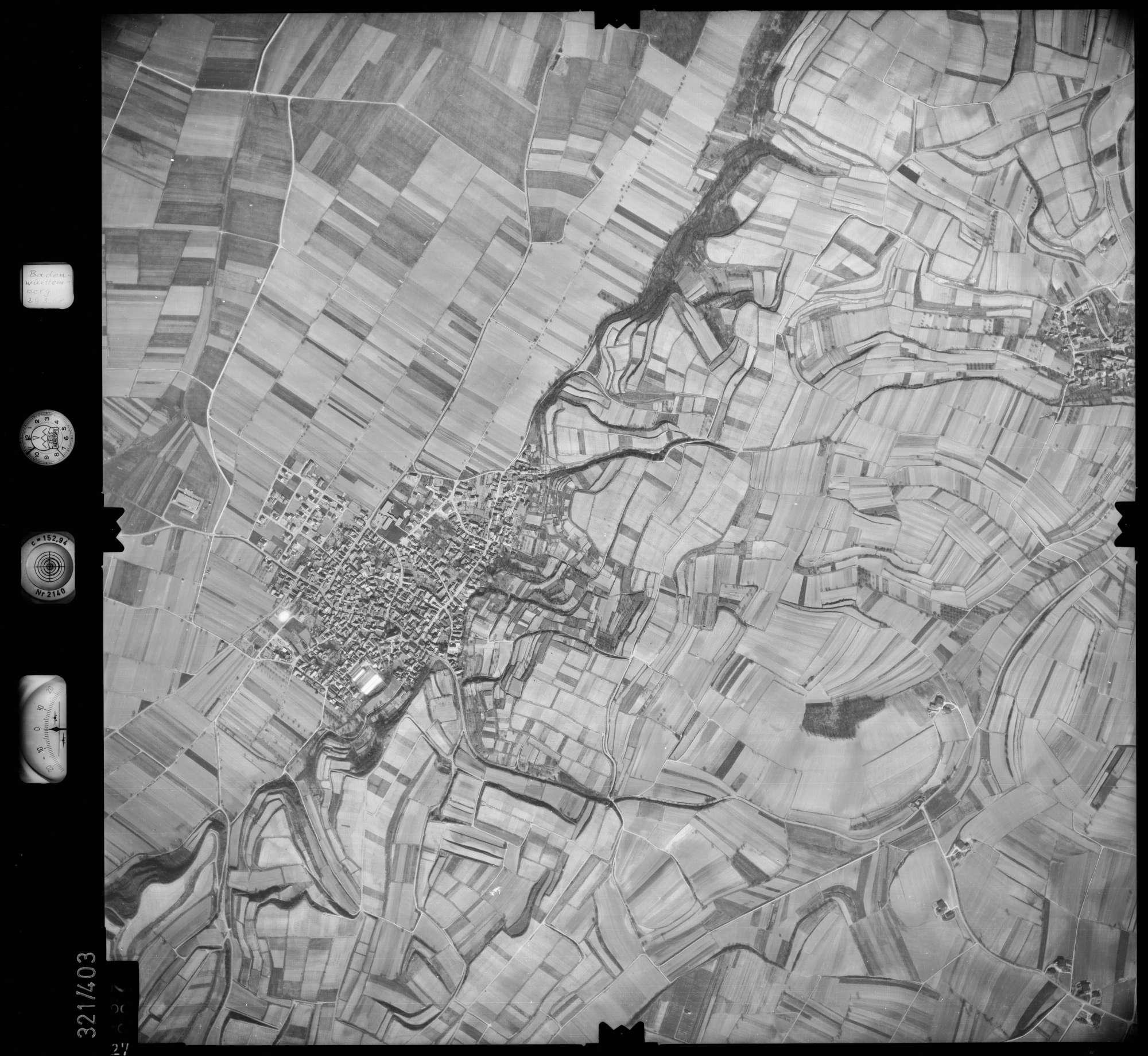 Luftbild: Film 54 Bildnr. 27, Bild 1