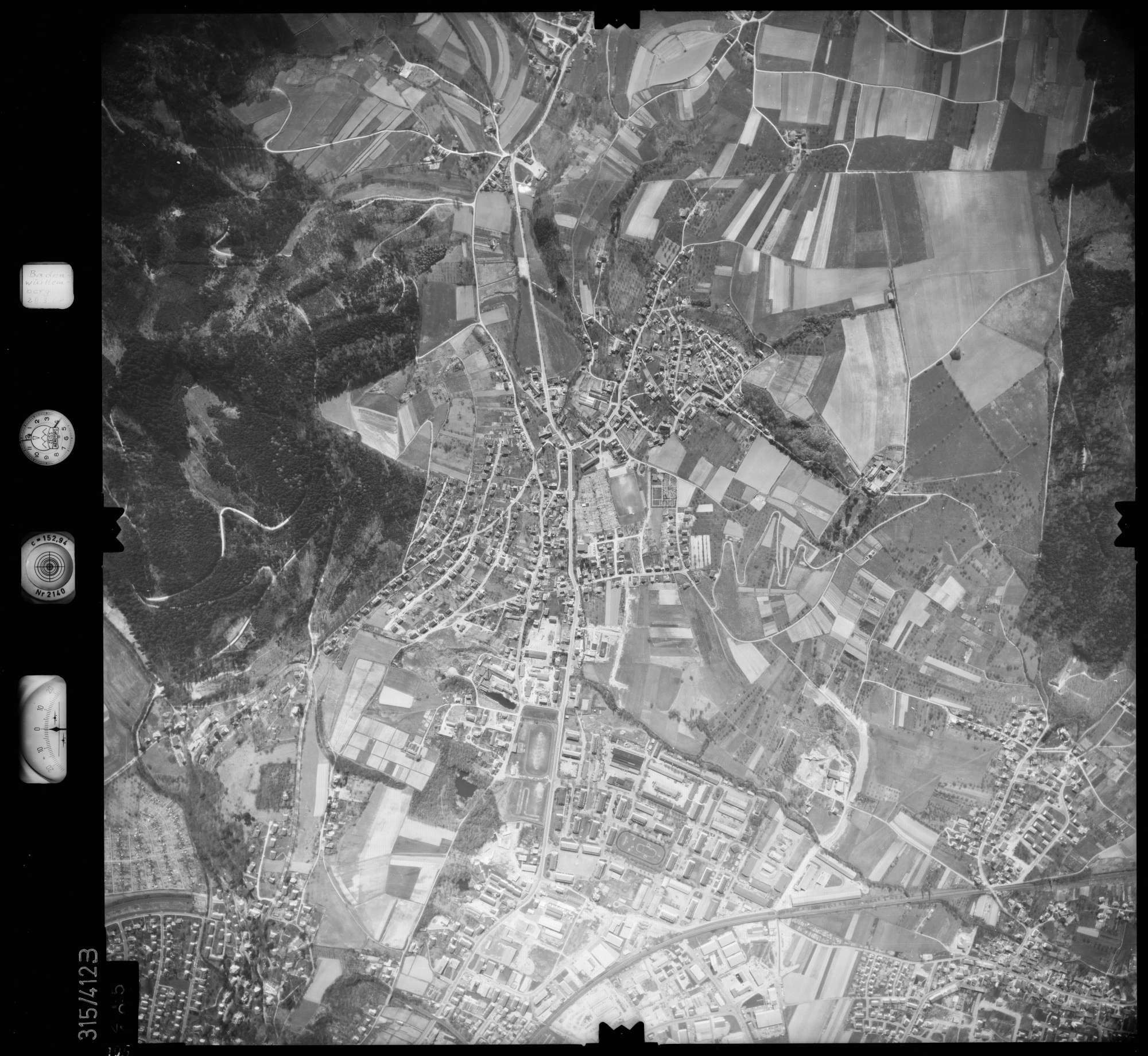 Luftbild: Film 54 Bildnr. 105, Bild 1