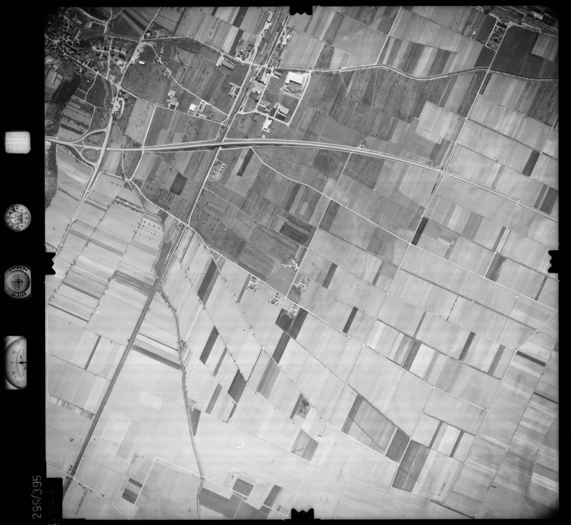 Luftbild: Film 54 Bildnr. 251, Bild 1