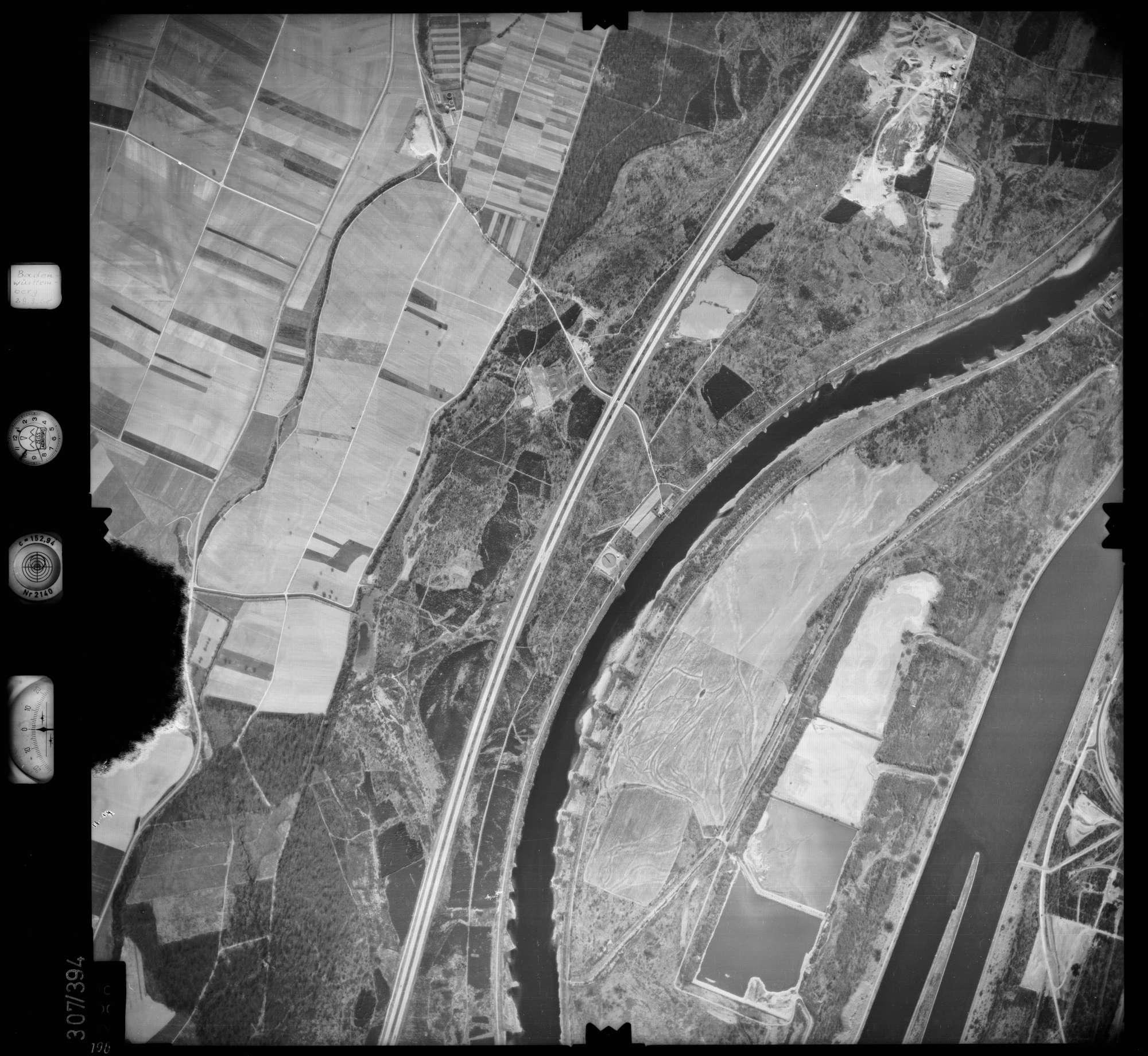 Luftbild: Film 54 Bildnr. 196, Bild 1